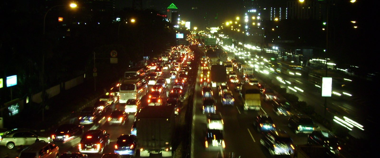 Traffic flows, Jakarta (Photo: basibanget/Flickr)