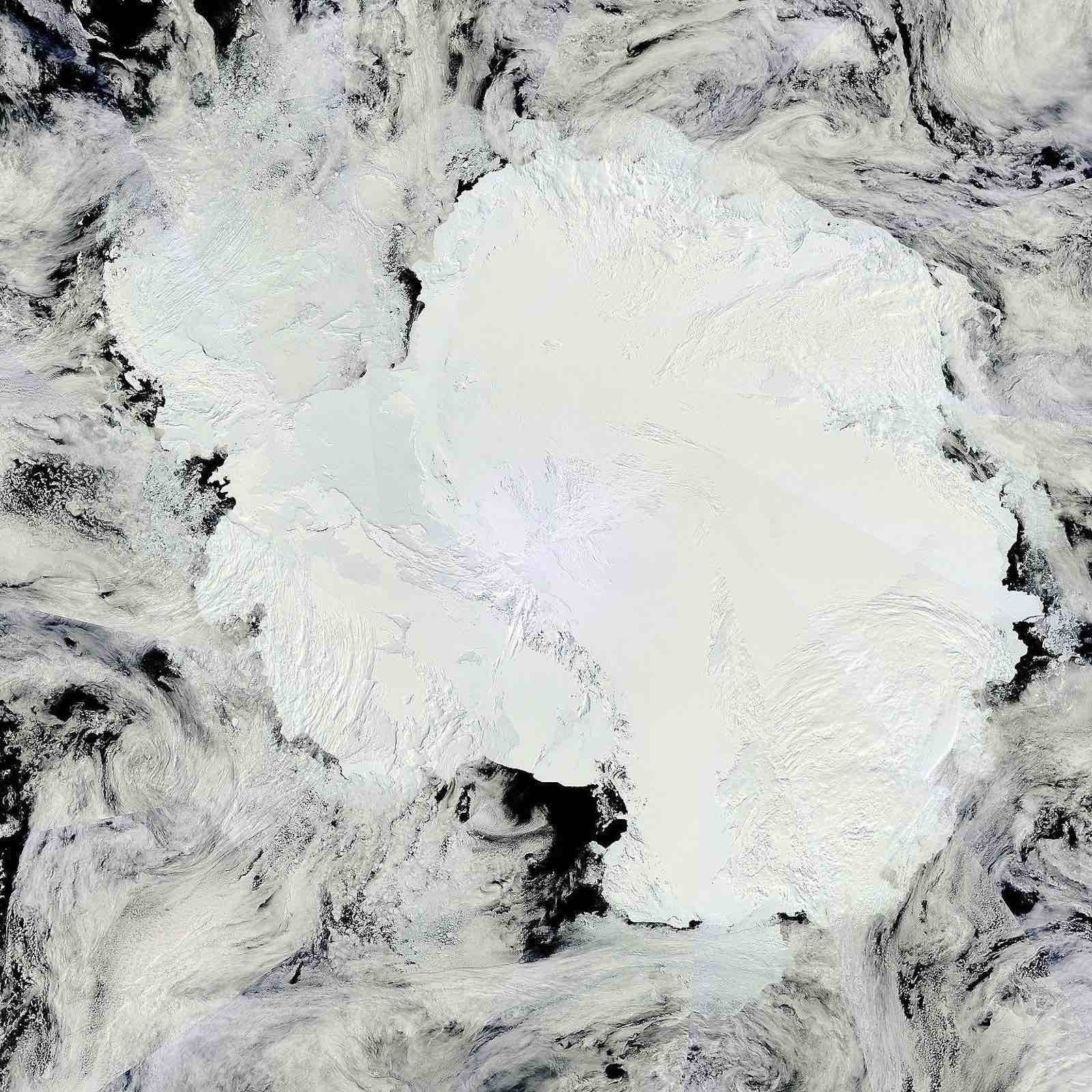 Mosaic of Antarctica (Photo: NASA Goddard Space Flight Center/Flickr)