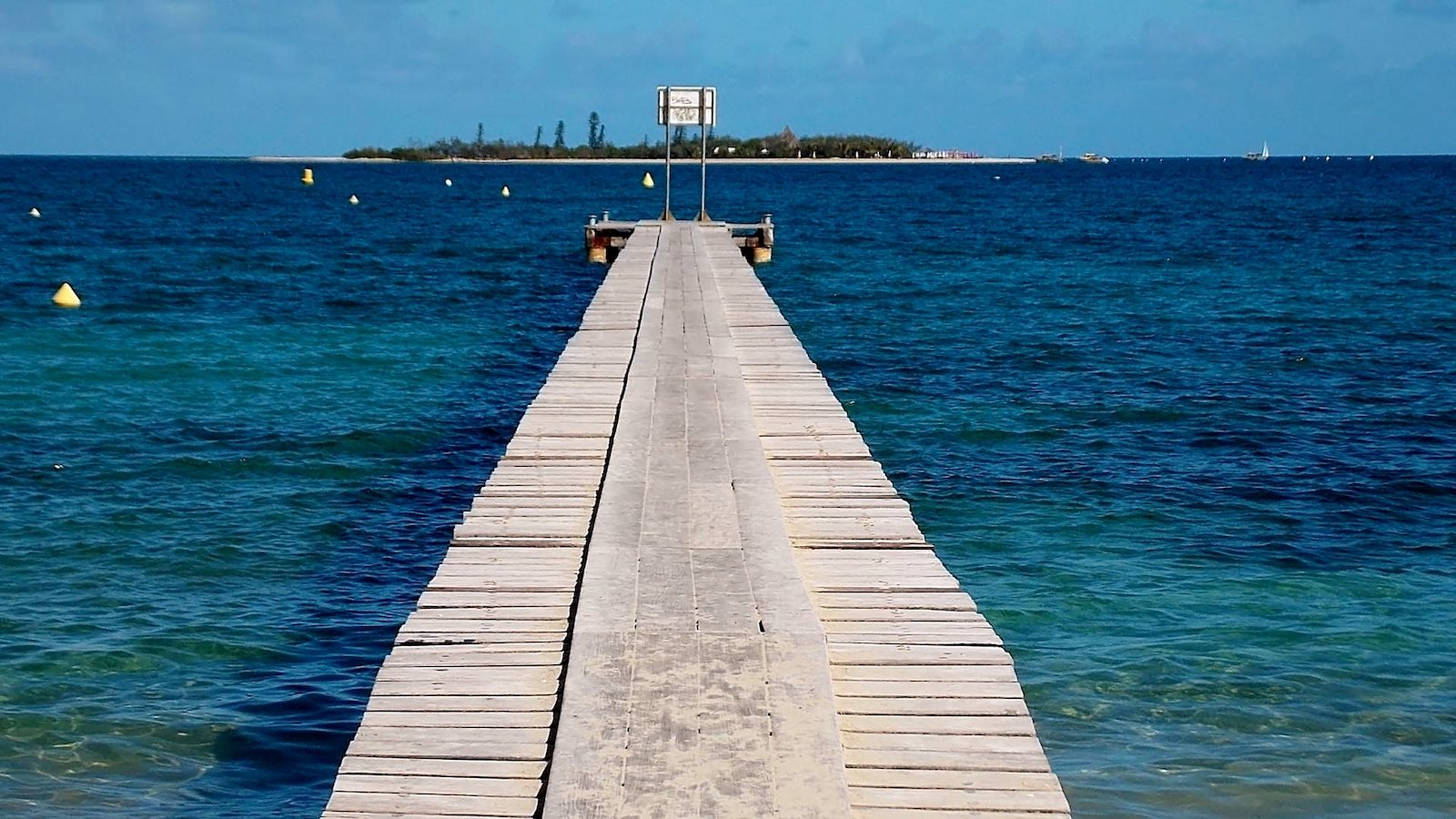 Under 1998 accords, New Caledonia could either be independent or have agreed on new arrangements by now (Photo: gérard/Flickr)