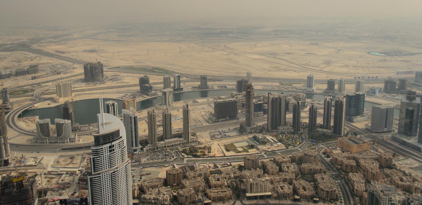 View from the Burj Khalifa: Dubai's glittering surface is getting dusty (Photo: Nasrulla Taha/ Flickr)
