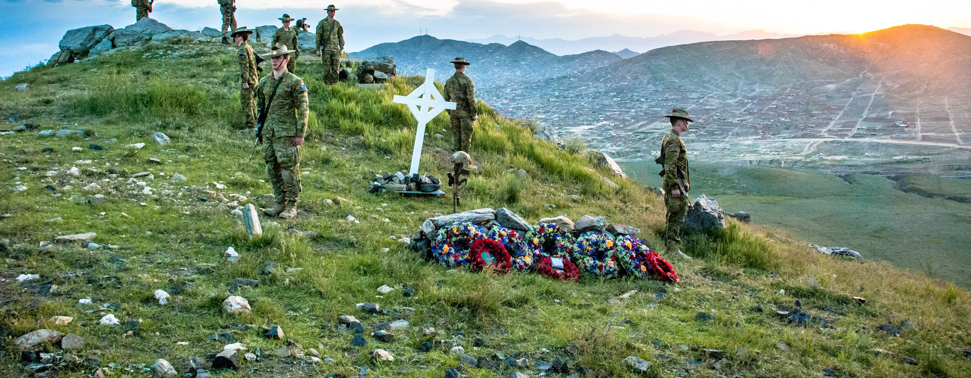 An Anzac Day dawn service on the outskirts of Kabul, Afghanistan, 2016 (Photo: Commonwealth of Australia)