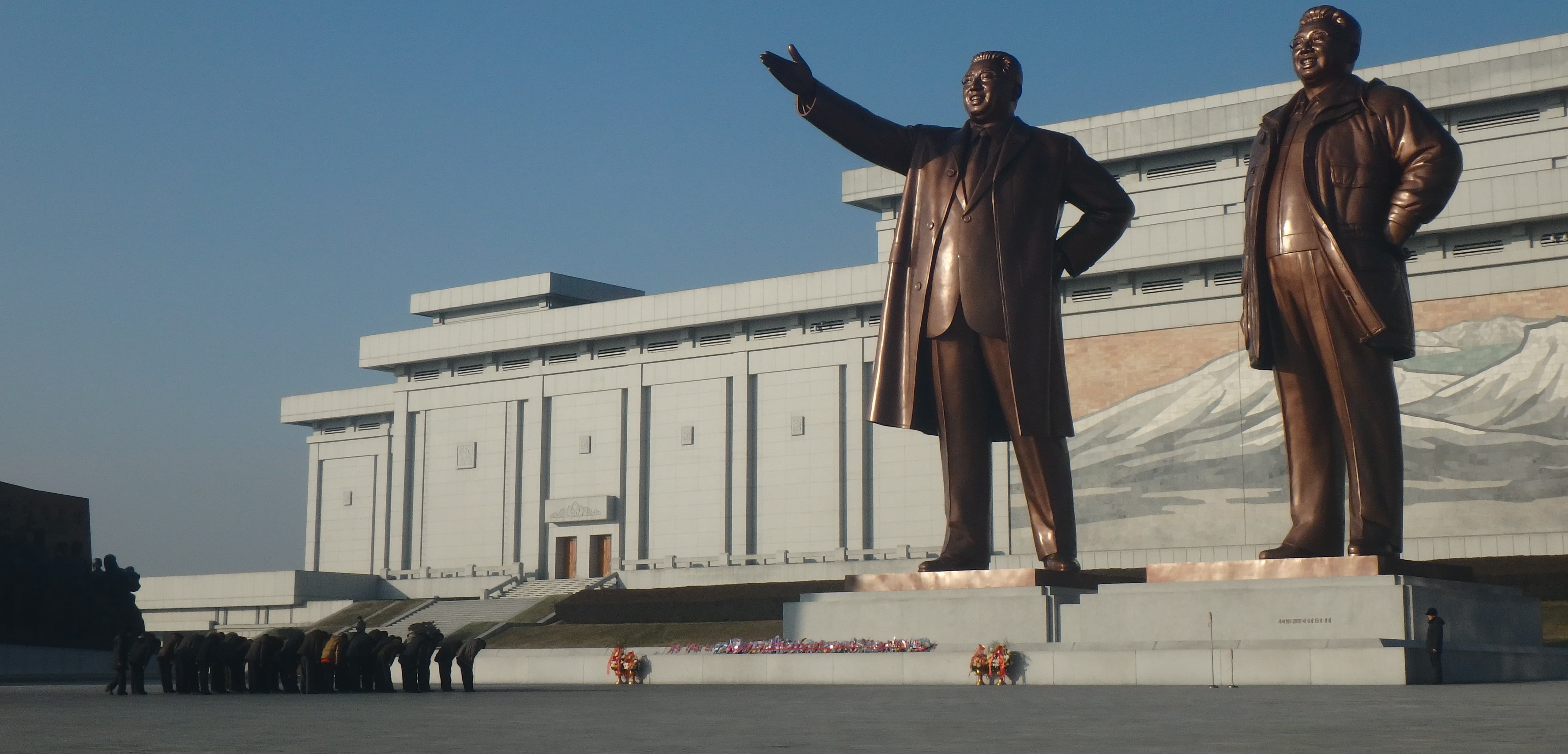 Mansudae Grand Monument, Pyongyang (Photo: Evan Ritli/Flickr)