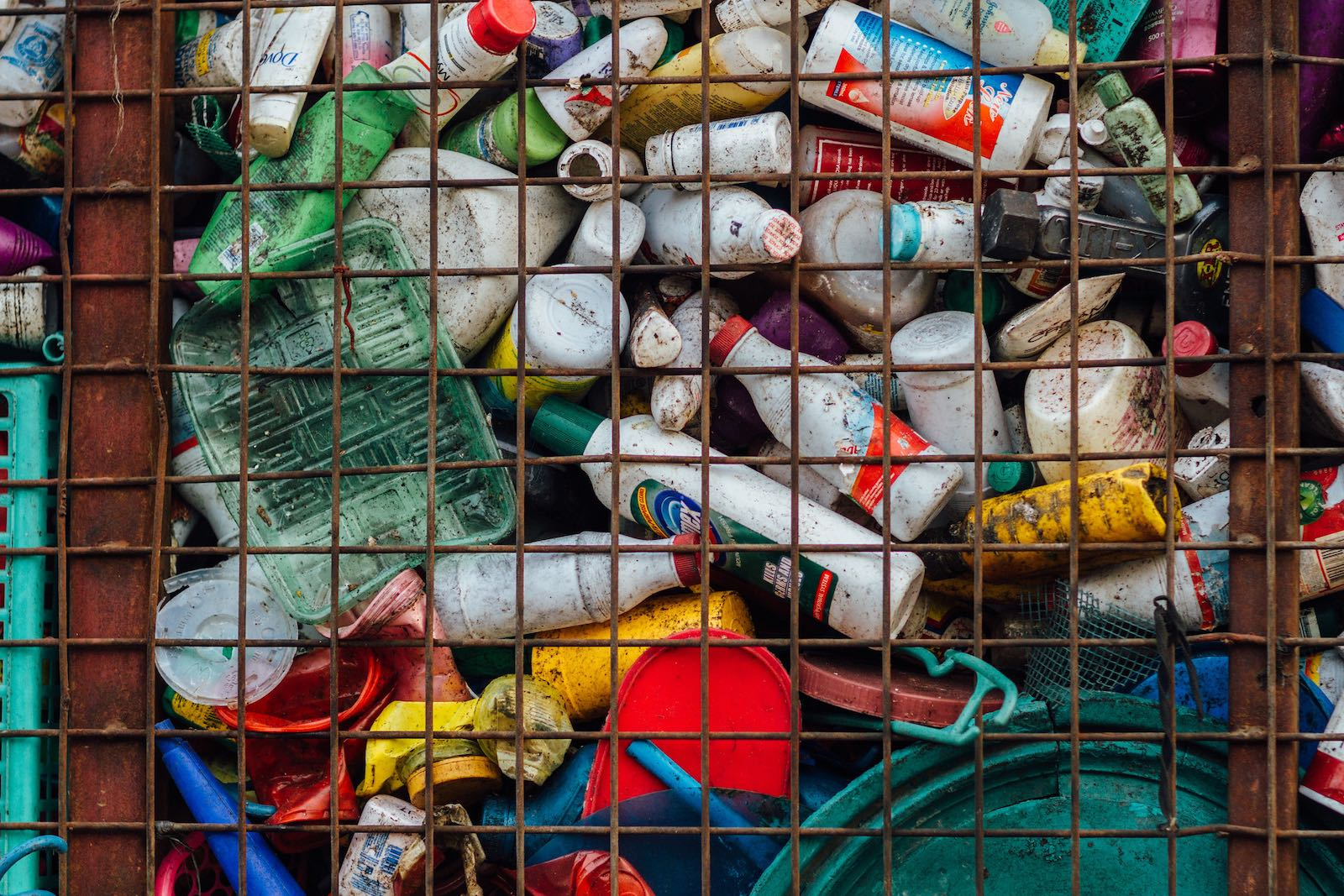 Plastic for landfill, Todo, Philippines (Photo: Adam Cohn/Flickr)
