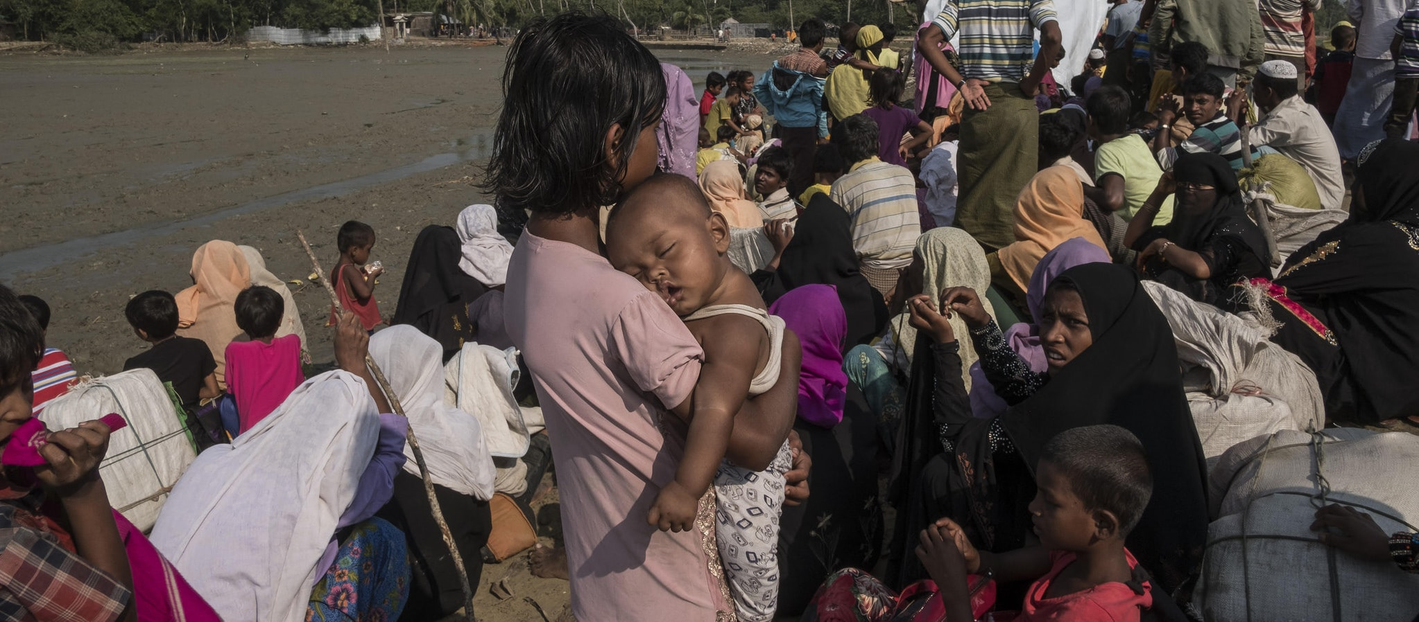 Newly arrived refugees from Myanmar on the Bangladesh border (Photo: Mahmud Rahman/Caritas Bangladesh/Flickr)