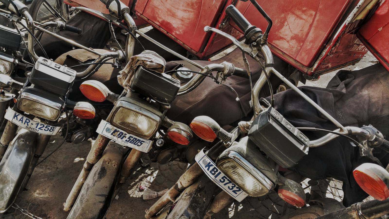 Motocycles in Karachi, Pakistan (Photo: Andy Miah/Flickr)