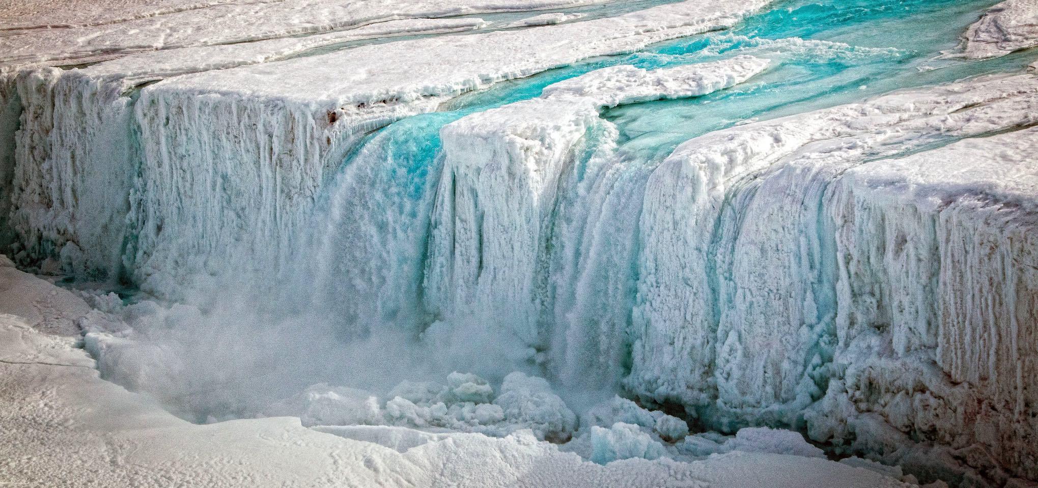 Antarctic waterfall (Photo: Stuart Rankin/Flickr)