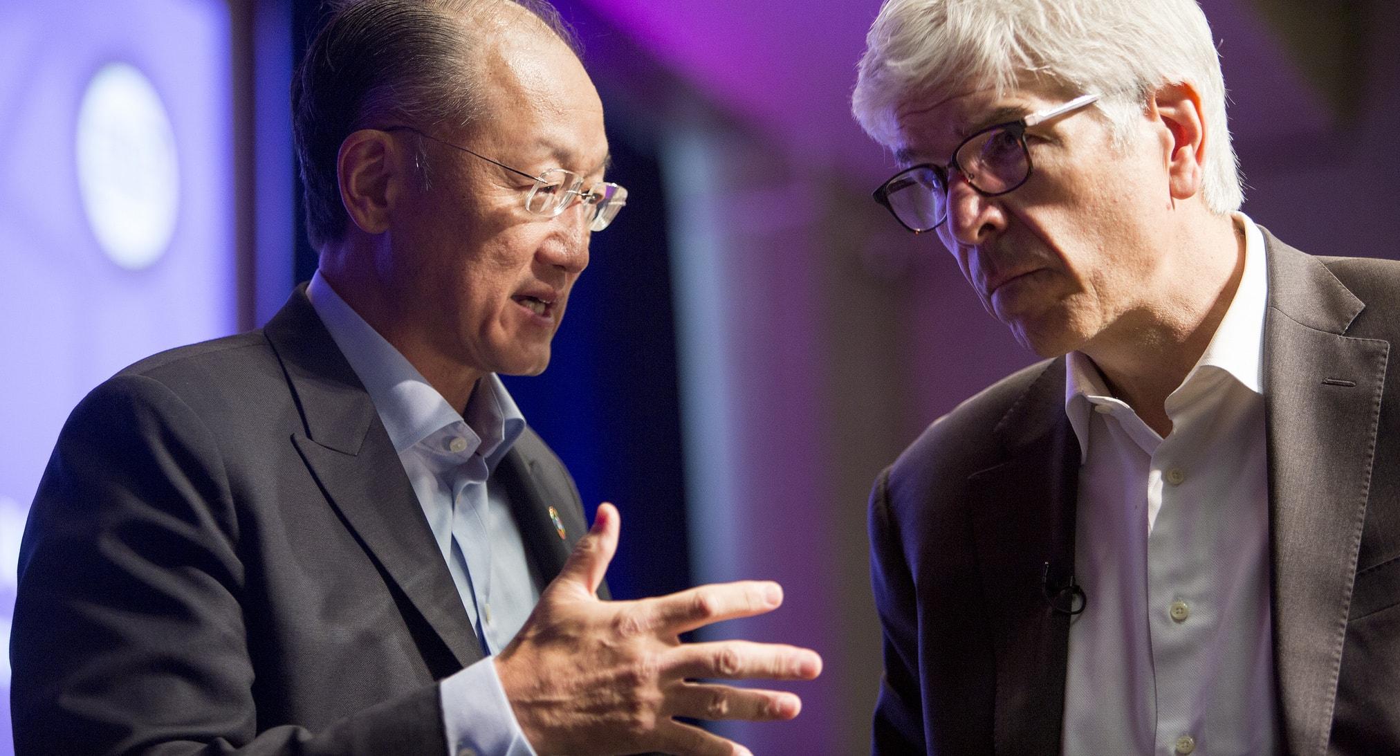 World Bank chief Kim Yong Jim and Paul Romer in October 2016 (Photo: World Bank/Flickr)