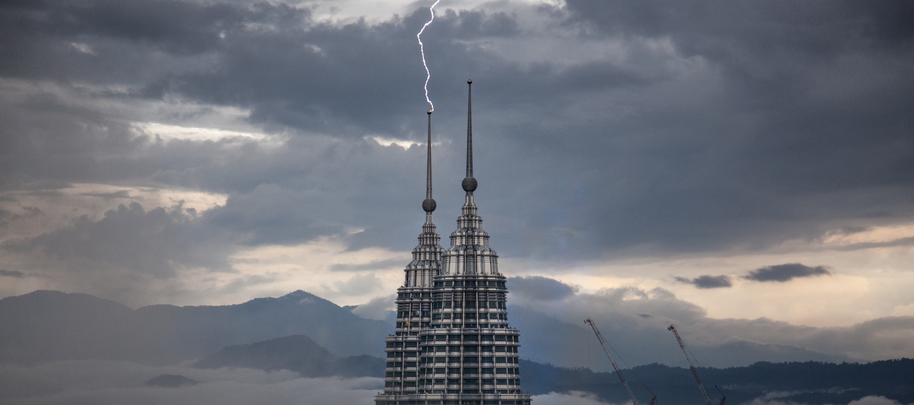 Lightning strikes the Petronas Towers, Kuala Lumpur in April 2017 (Photo: Sitoo/Flickr)