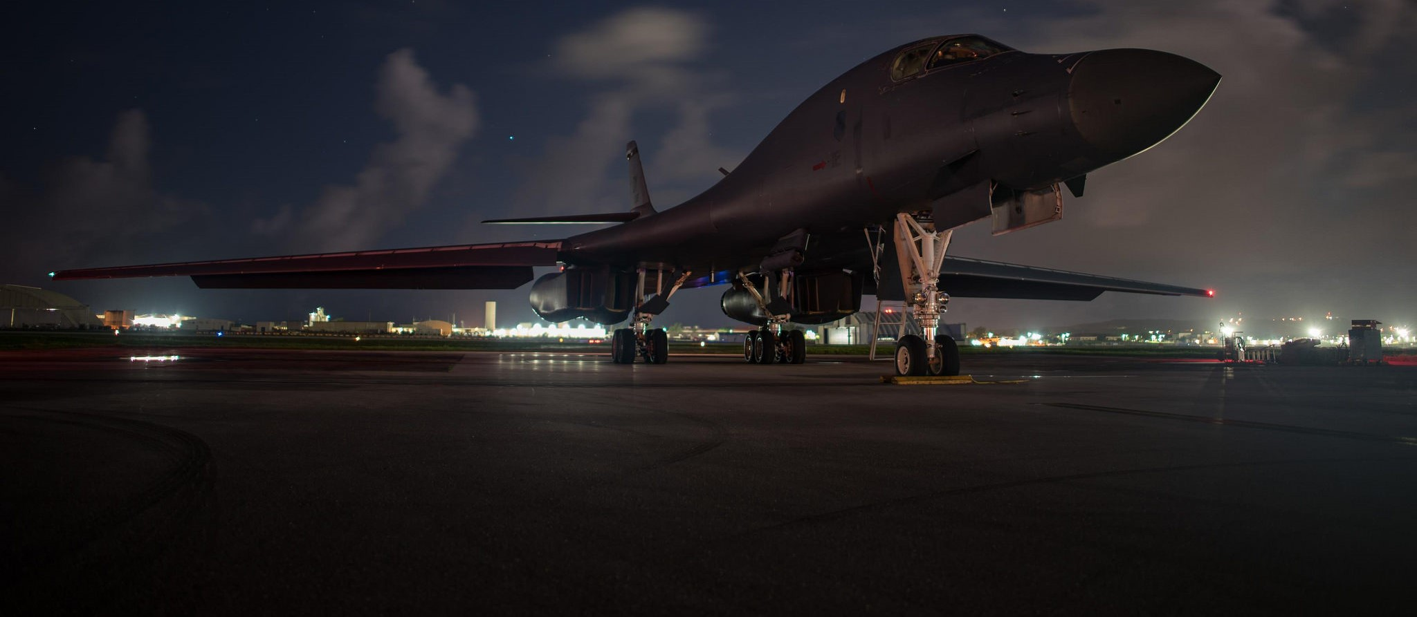 A US B-1B Lancer at Guam prior to a bilateral mission with South Korean and Japanese fighter jets, July 2017 (Photo: Flickr/US Pacific Command)