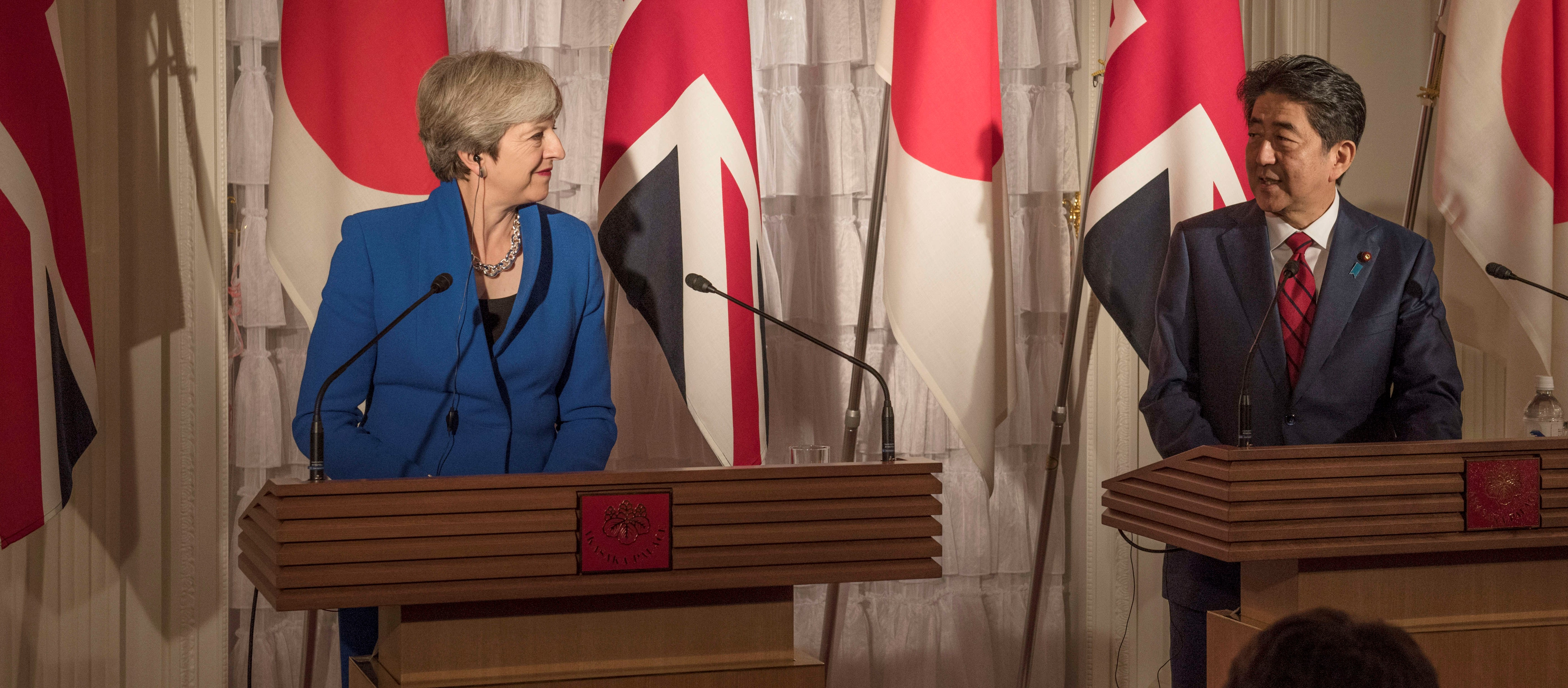 UK Prime Minister Theresa May and Japanese Prime Minister Shinzo Abe, August 2017 (Photo: Number 10/Flickr)
