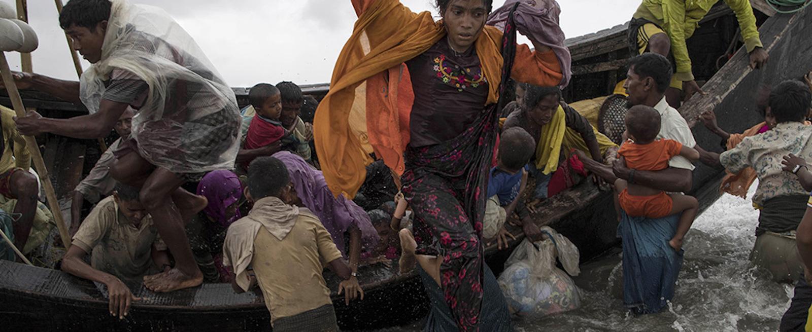 Rohingya refugees attempt to escape Myanmar (Photo: Jordi Bernabeu Farrús via Flickr)