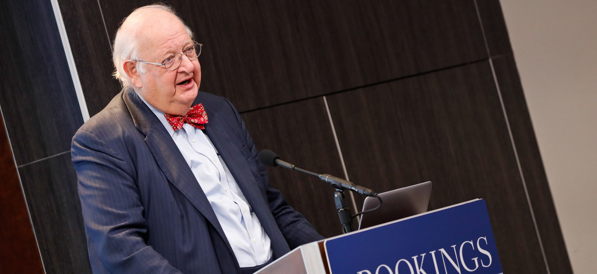 Sir Angus Deaton speaking on the US opioid crisis at the Brookings Institution, November 2017 (Photo: Brookings/Flickr)