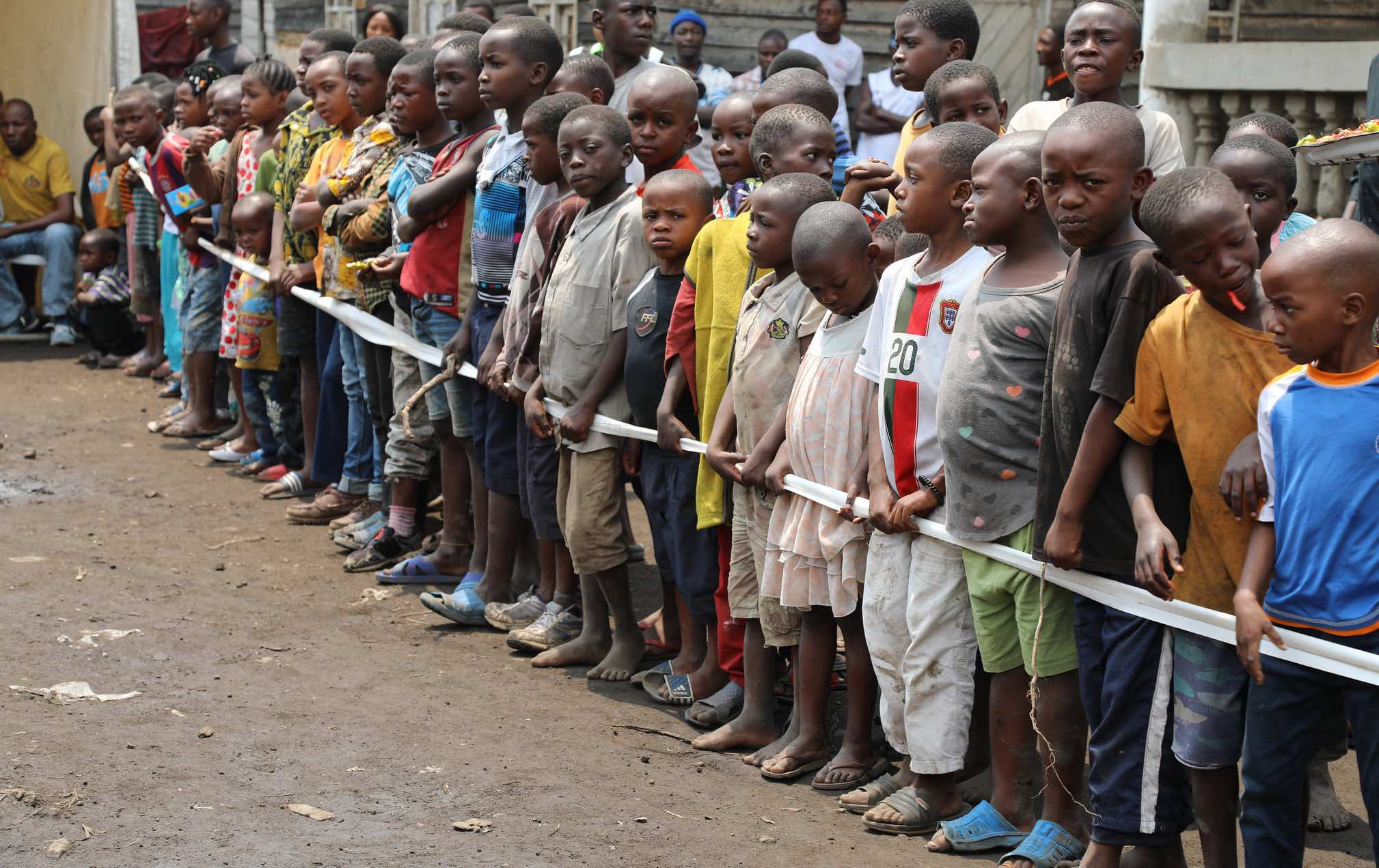 Children lined up for community awareness program with UN peacekeepers in Congo (Photo: MONACO Photos/Flickr)