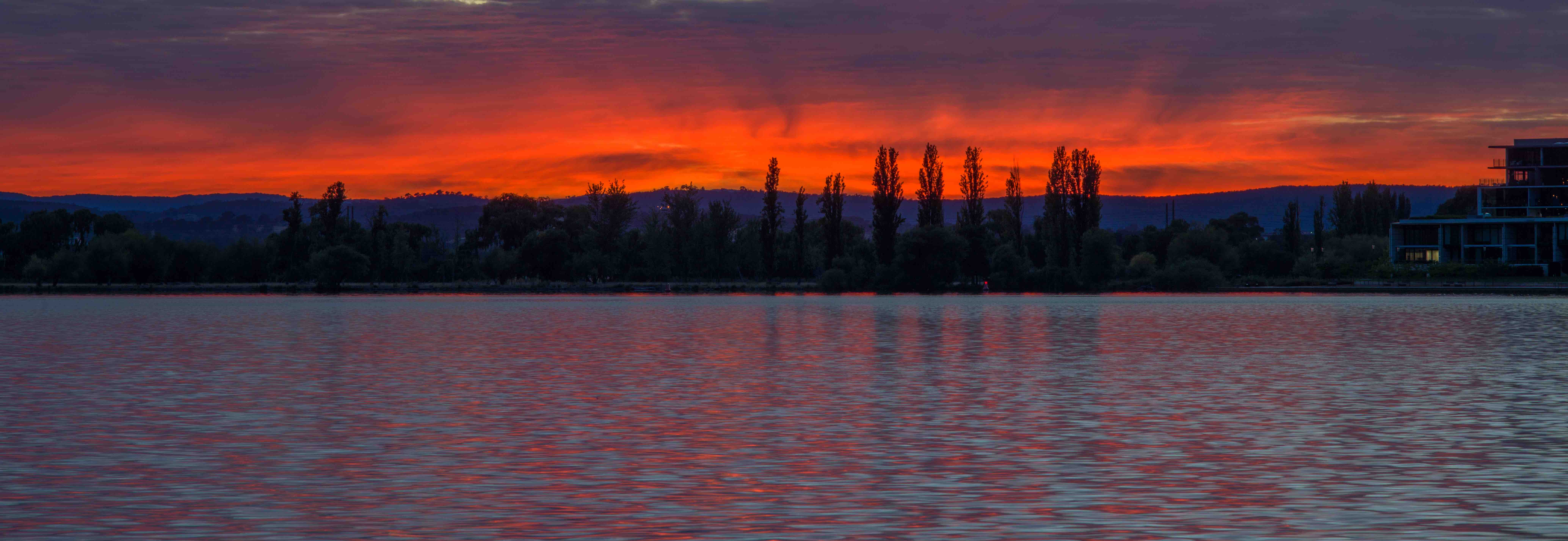 Sunrise in Canberra (Photo: MomentsForZen/Flickr)