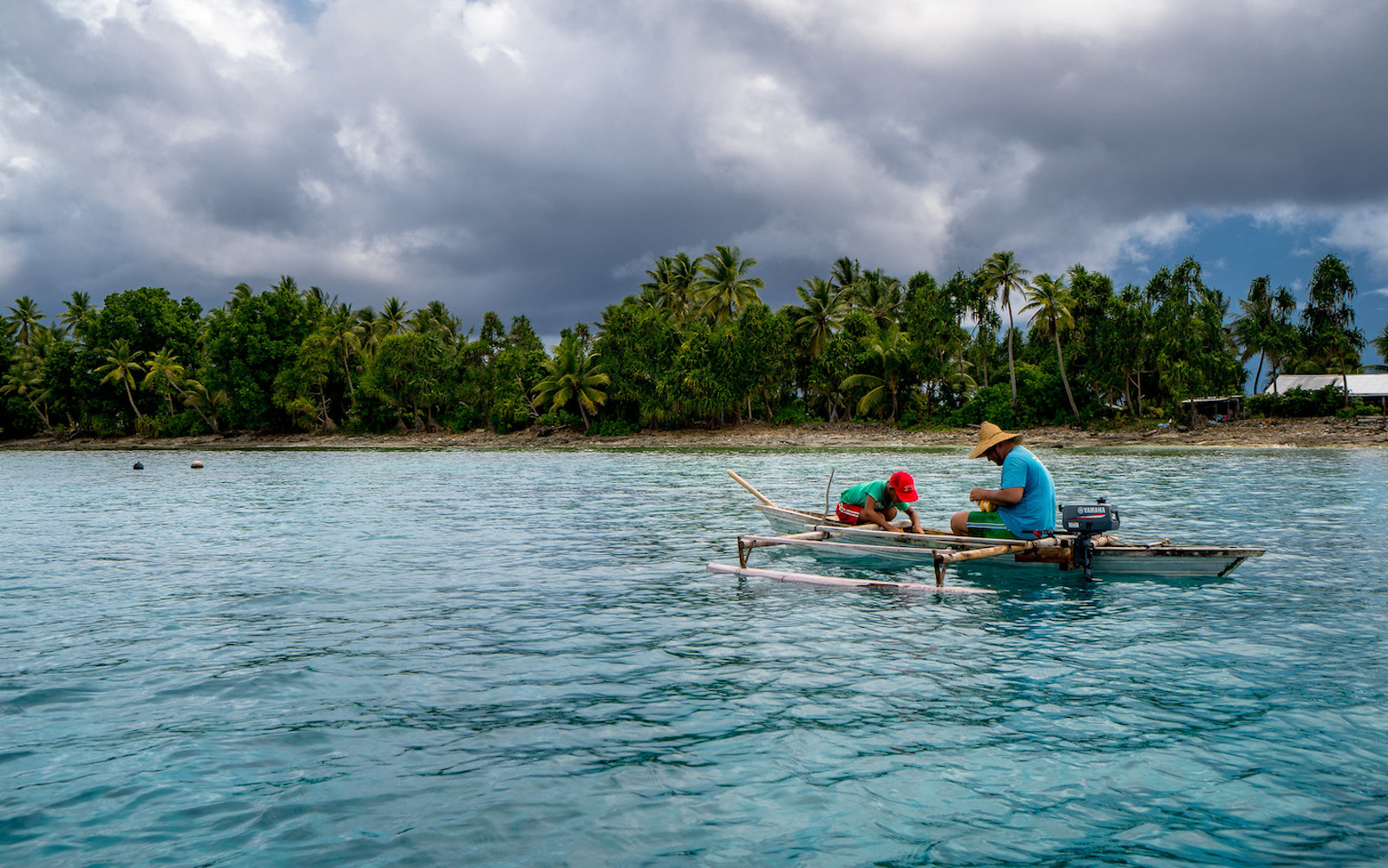 Fishing off the islands of Tuvalu (Photo: Asian Development Bank/Flickr)