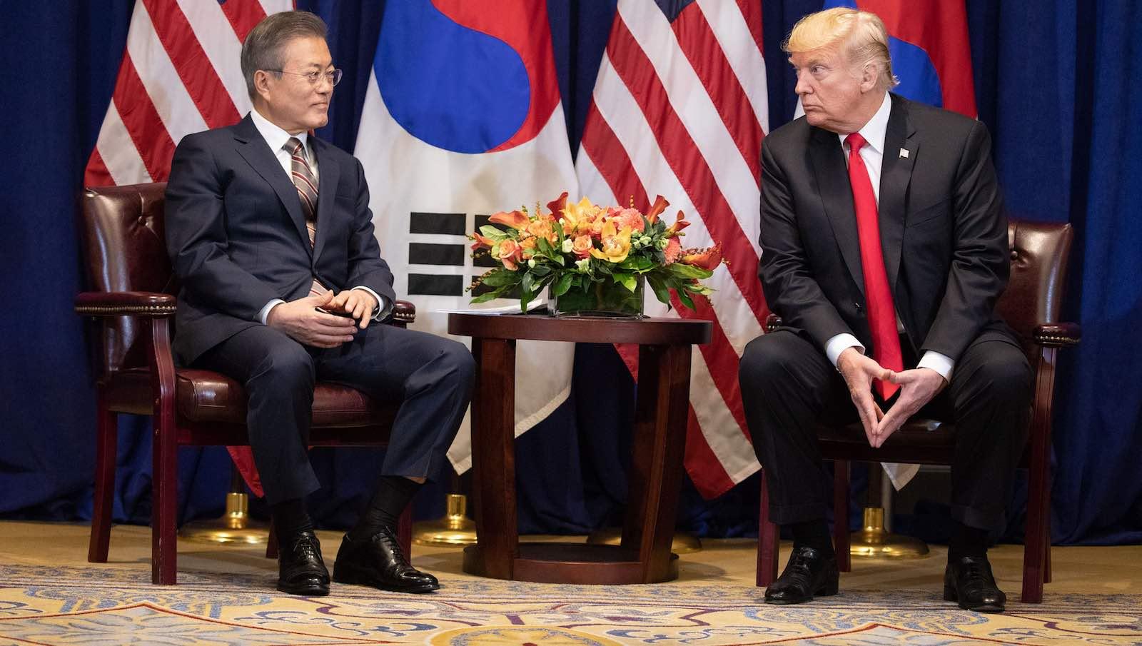US President Donald Trump and South Korea's Moon Jae-in on 24 September 2018 in New York (Photo: Shealah Craighead/White House)