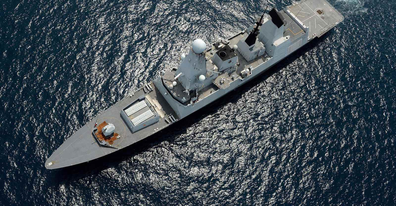 Royal Navy warship HMS Daring during relief efforts in the Philippines after Typhoon Haiyan in 2013 (Photo: UK Ministry of Defence)