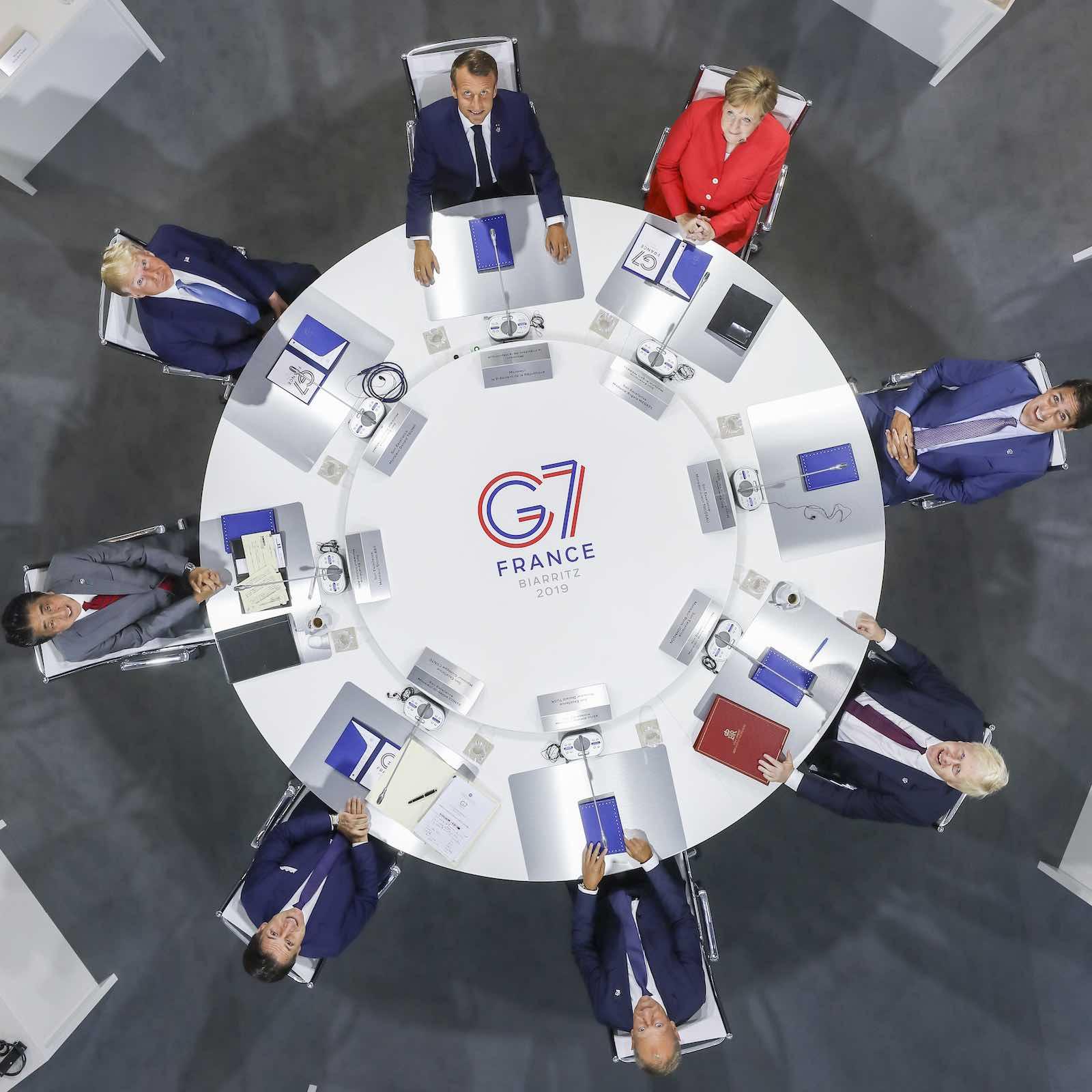 At the top table (Photo: Laurent Blevennec/Présidence de la République)