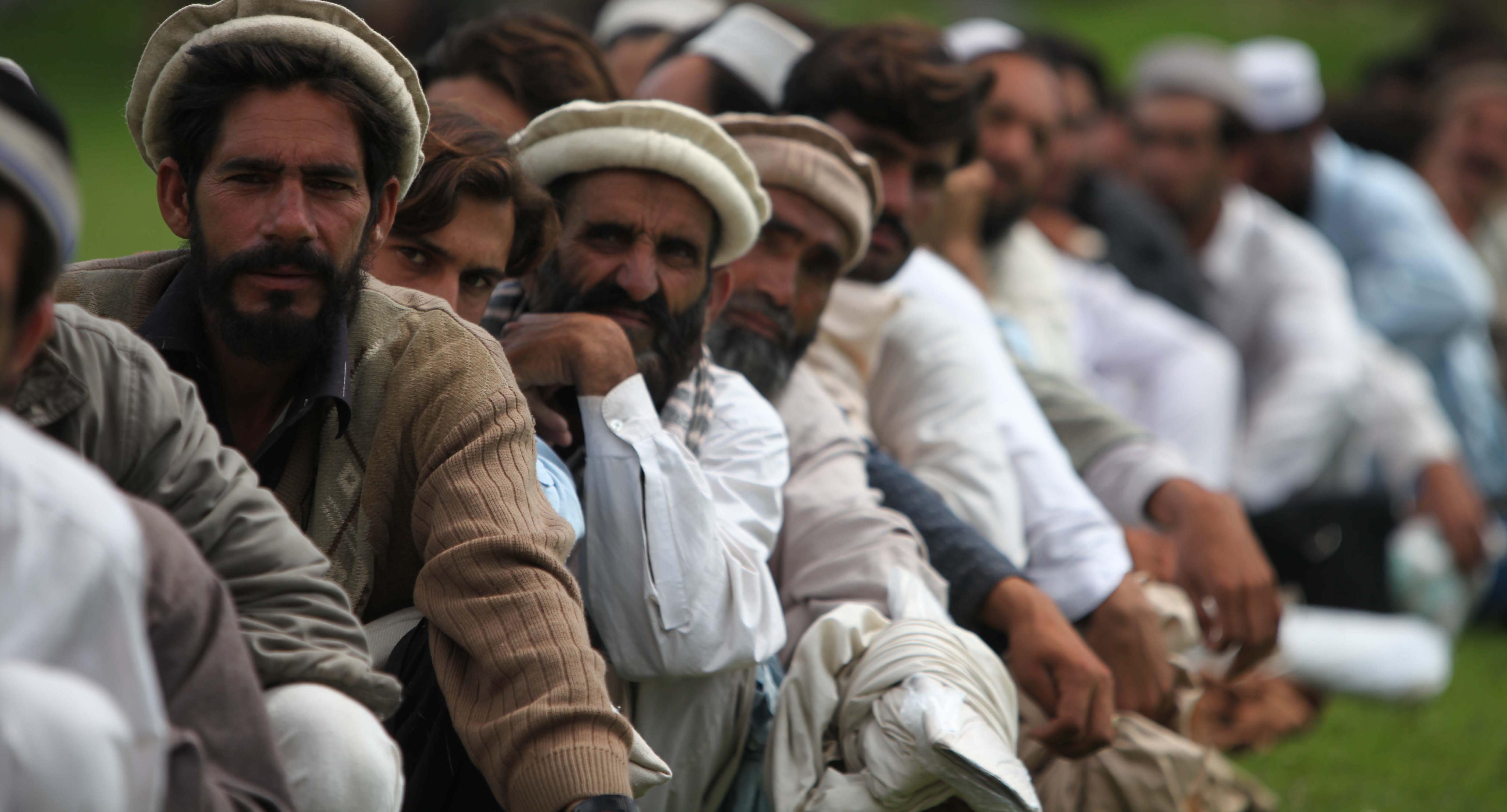 Waiting for disaster assistance in Pakistan's Khyber province, 2010 (Photo: Dvidshub/Flickr)