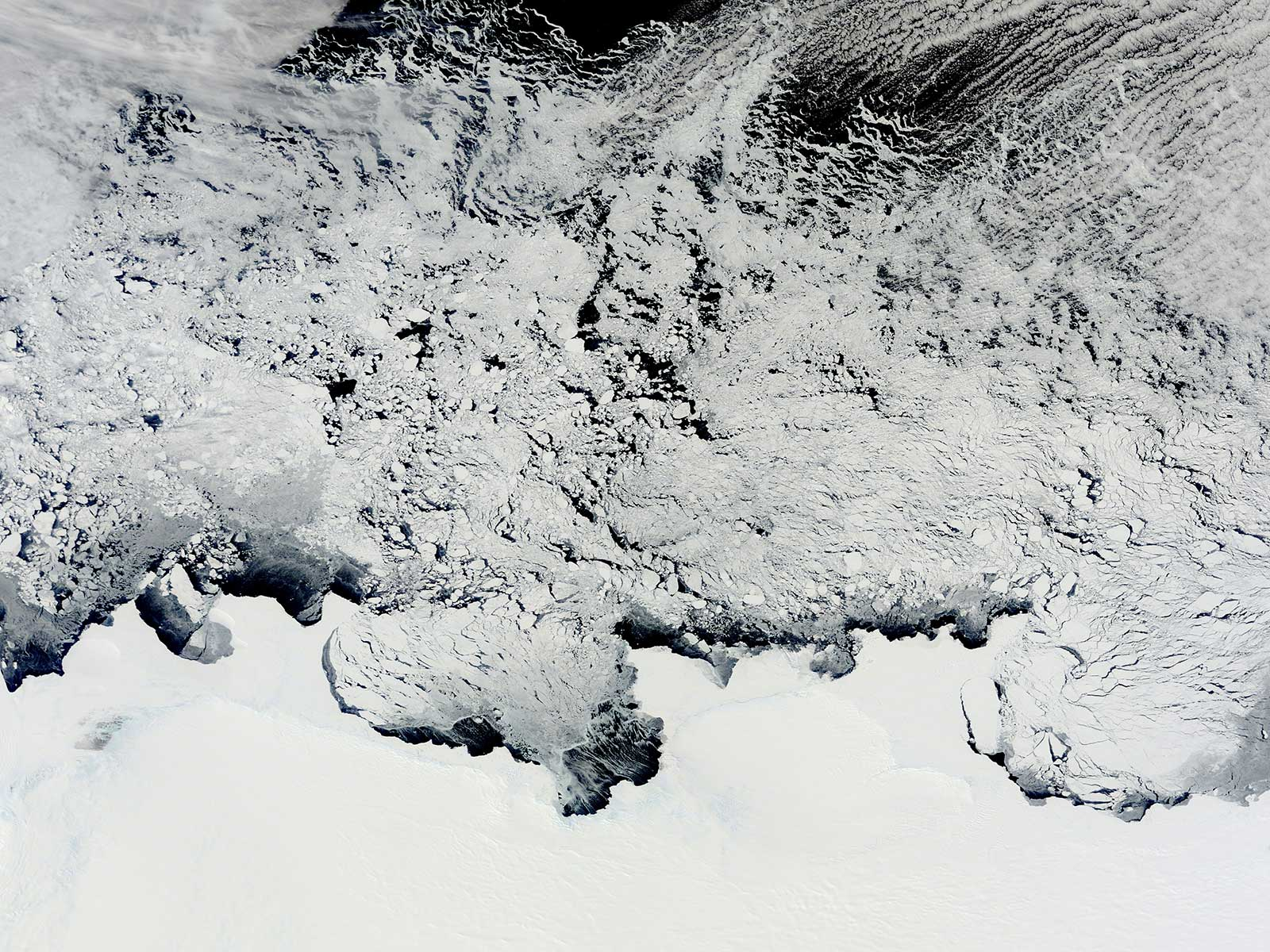 China's is operating at the highest point of the Antarctic ice sheet (Photo: NASA/Flickr)