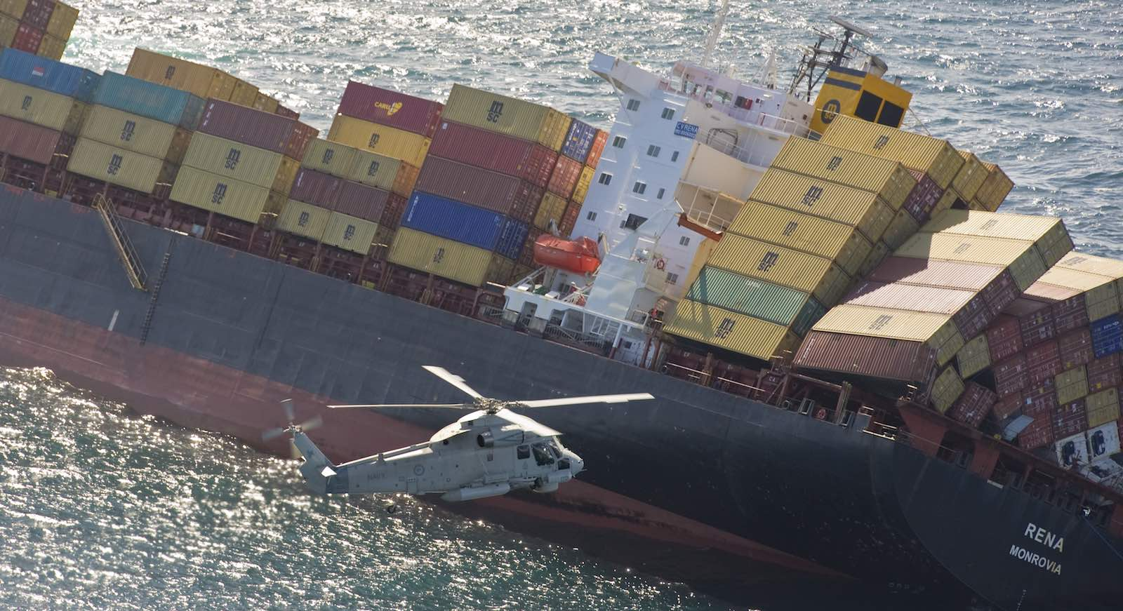 Rescue efforts for the grounded container ship Rena off New Zealand, 2011 (Photo: NZDF/Flickr)
