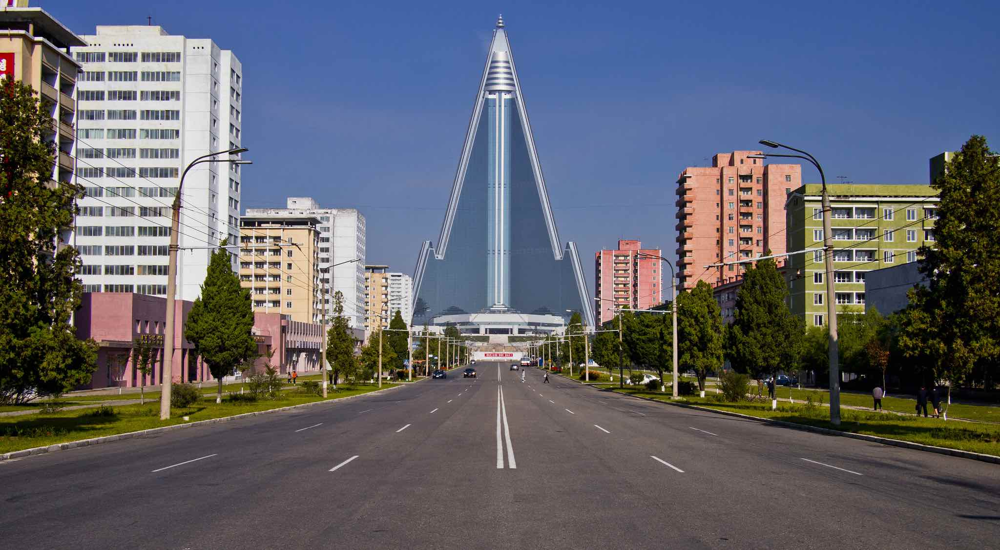 The Ryugyong Hotel in Pyongyang (Photo: Marcelo Druck/Flickr)