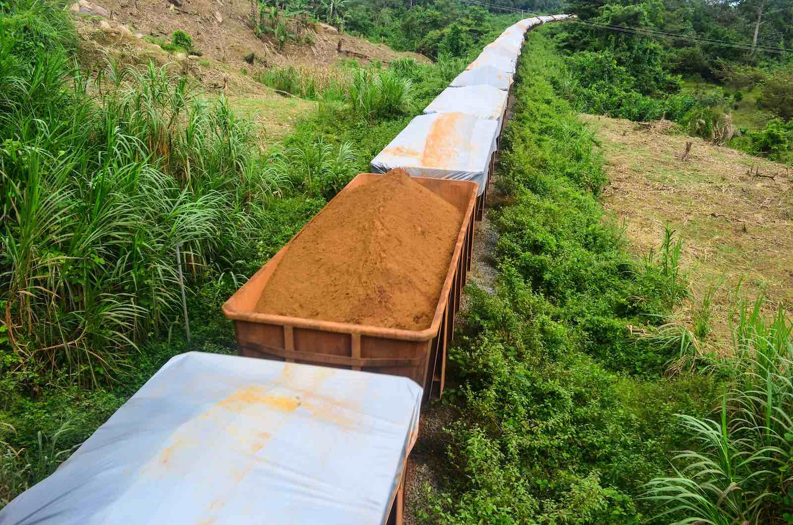 An iron ore train in Liberia (jbdodane/Flickr)