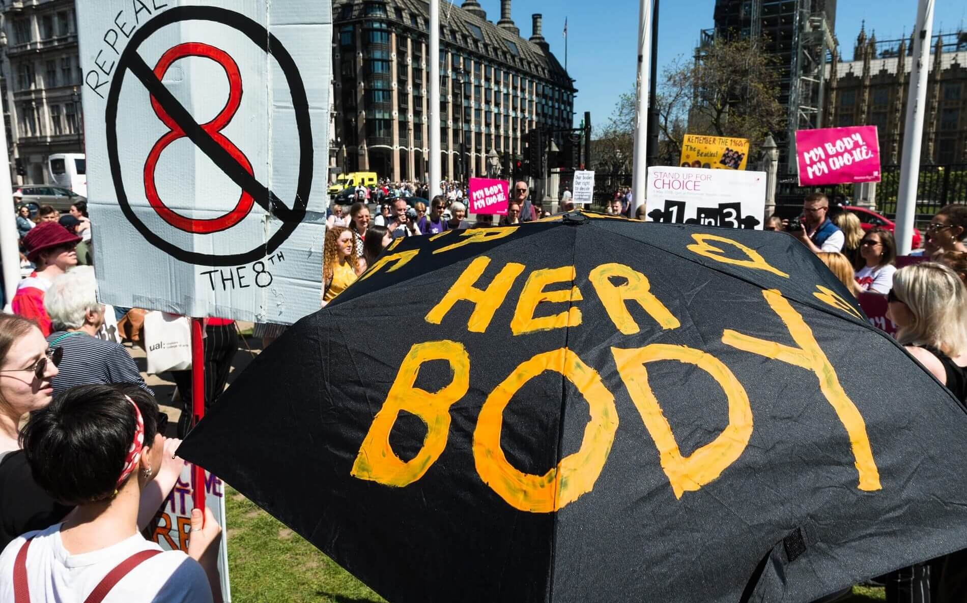 Pro-choice supporters rally in London ahead of Irish referendum (Photo: Wiktor Szymanowicz, via Getty)