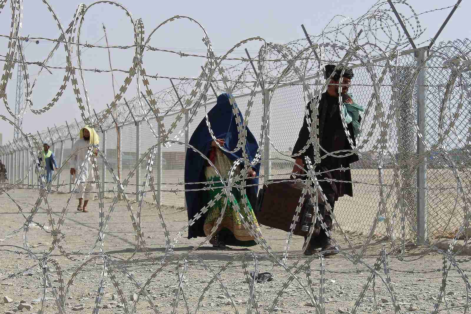 The border between Afghanistan and Pakistan is notoriously porous. Pakistan-Afghanistan border crossing point in Chaman, 28 August 2021 (AFP via Getty Images)