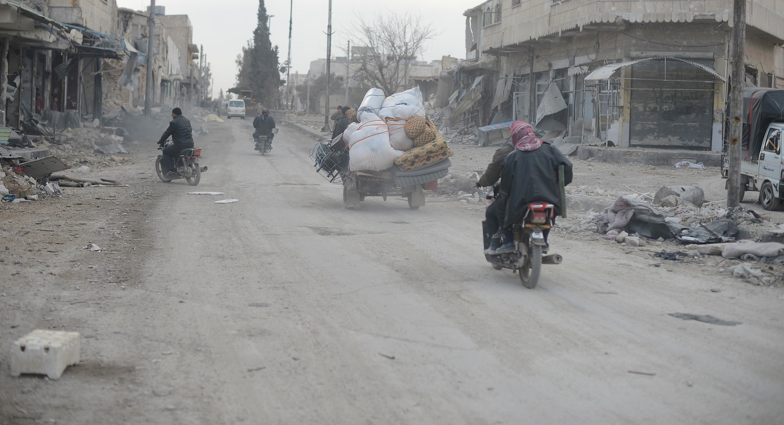 Syrians returning to Aleppo (Photo: Huseyin Nasir/Anadolu Agency/Getty Images)