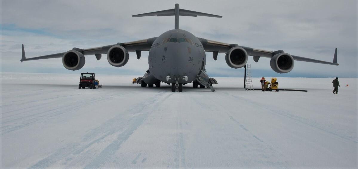 C-17A Globemaster III delivering cargo to Wilkins Aerodrome, Antarctica (Photo: Glenn Jacobsen/Australian Antarctic Division)
