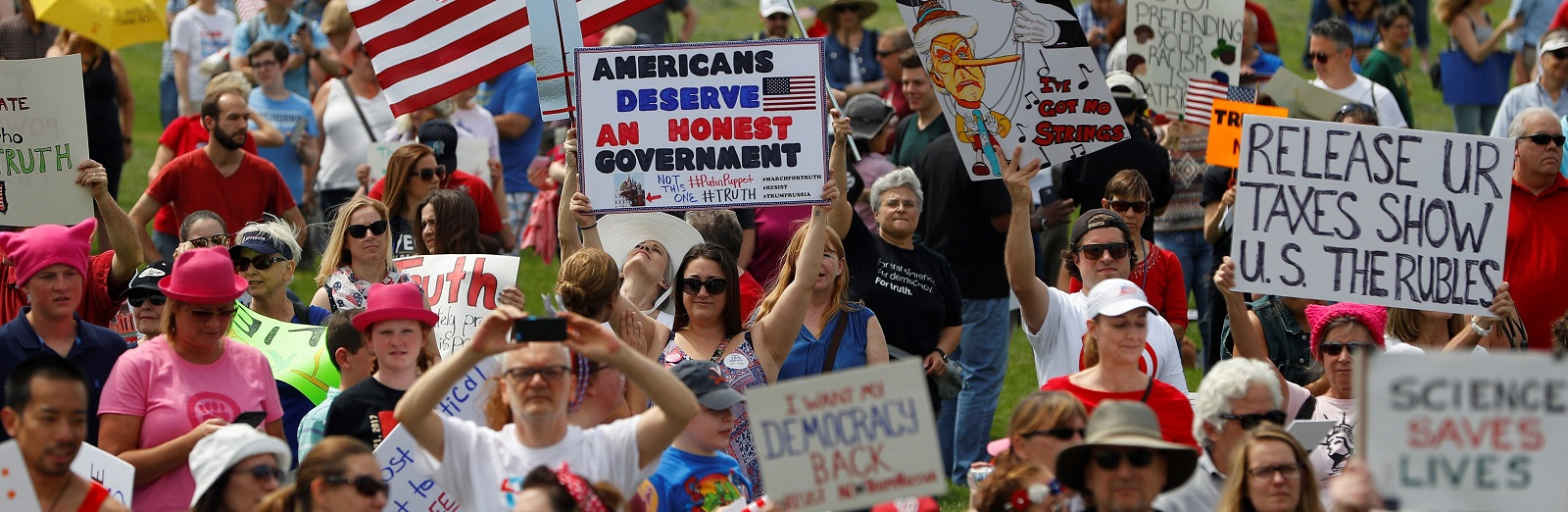 Anti-Trump 'March for Truth' Demonstrators gather near the Washington Monument on 3 June (Photo: Aaron Bernstein/Getty Images)