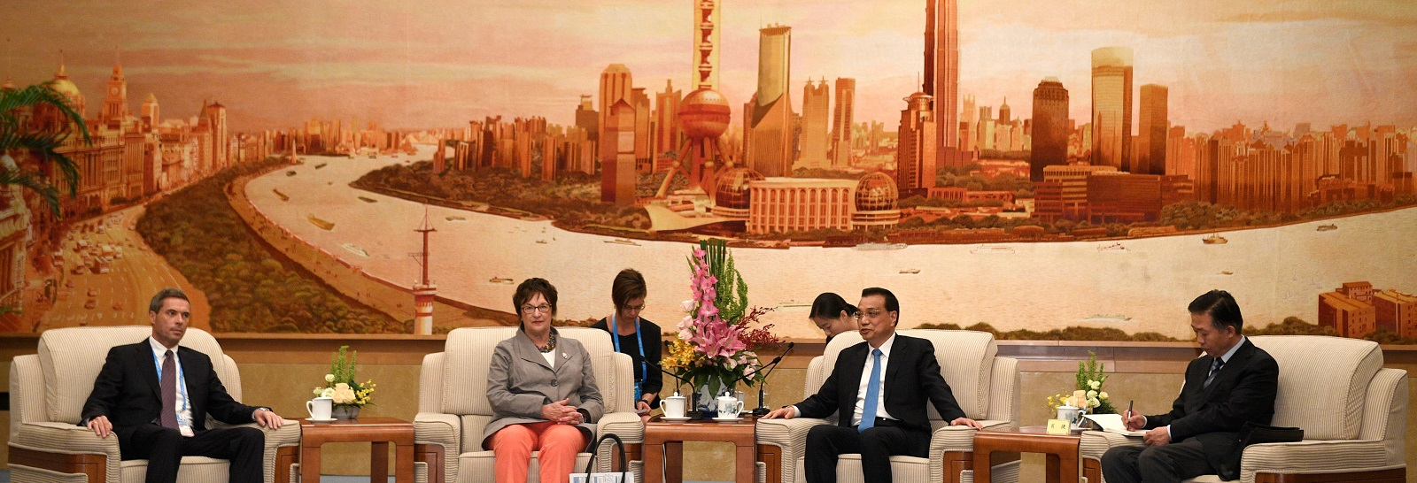 German Minister for Economic Affairs and Energy, Brigitte Zypries and Chinese Premier Li Keqiang at the BRI Summit in Beijing, 15 May.(Photo:Parker Song/Getty Images)