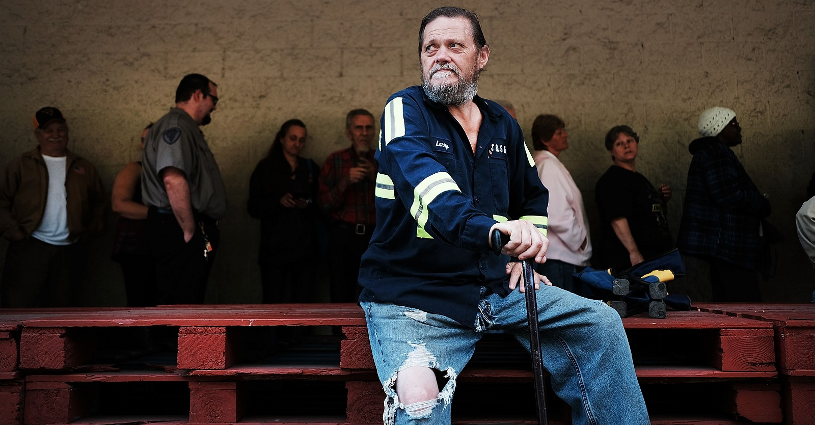 Local man Bobby McPeak among those waiting outside a foodbank in the struggling coal mining town of Welch, West Virginia (Photo: Spencer Platt/Getty Images)
