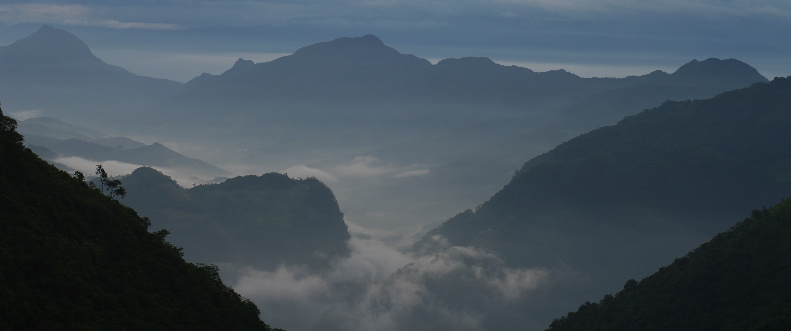 Looking across the border from China into Myanmar (Photo: David and Jessie/Flickr)