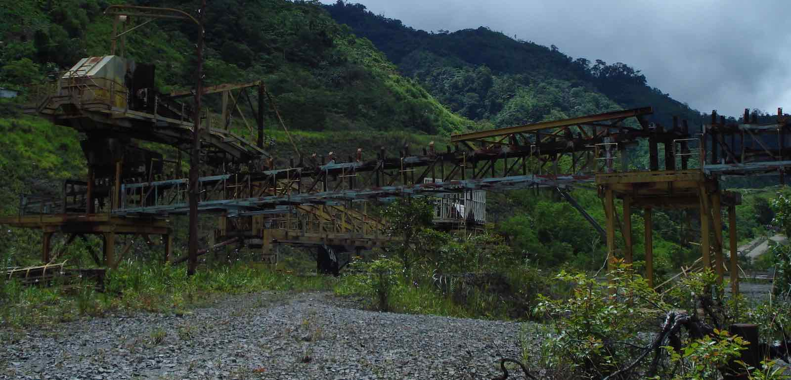 Rusting machinery at Panguna mine, Bougainville (Photo: Catherine Wilson)