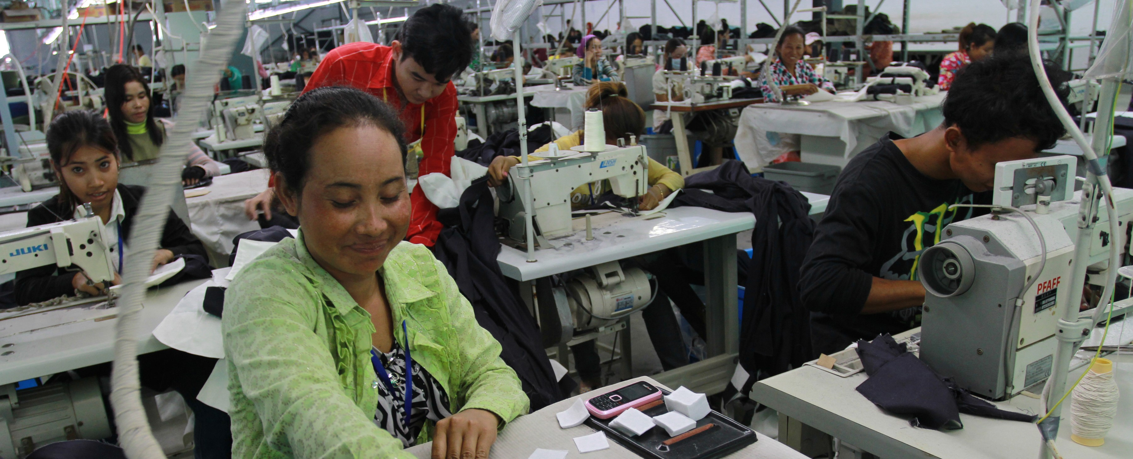 Garment industry workers in Cambodia (Photo: Flickr/World Bank)