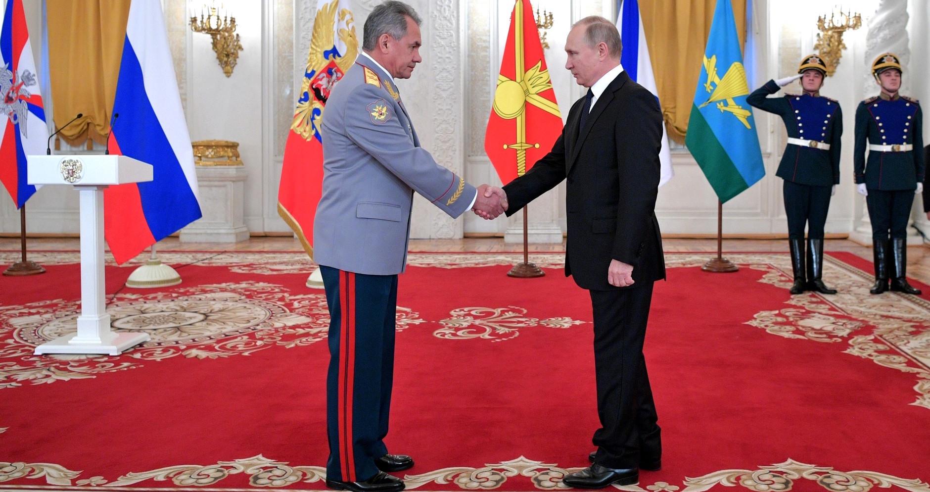Russian Defence Minister Sergei Shoigu with President Vladimir Putin in December (Photo: Kremlin.ru)