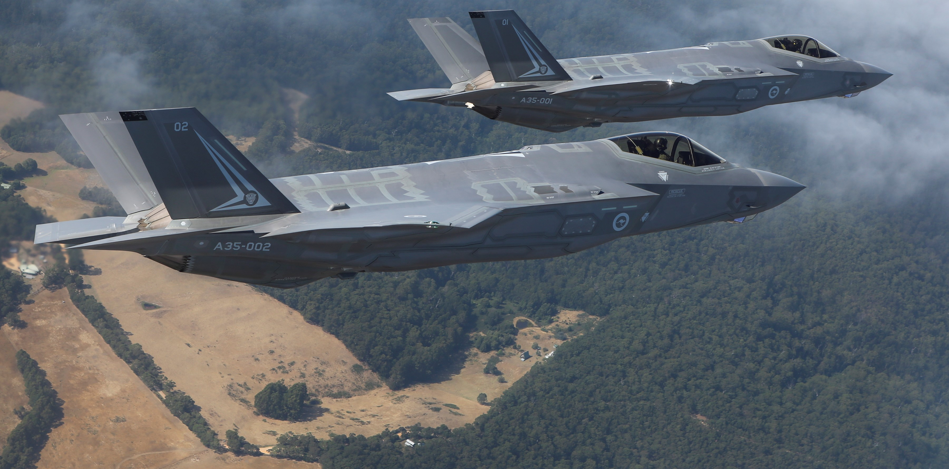 Two F-35s en route to Melbourne, 2017 (Photo: Commonwealth of Australia/Department of Defence)