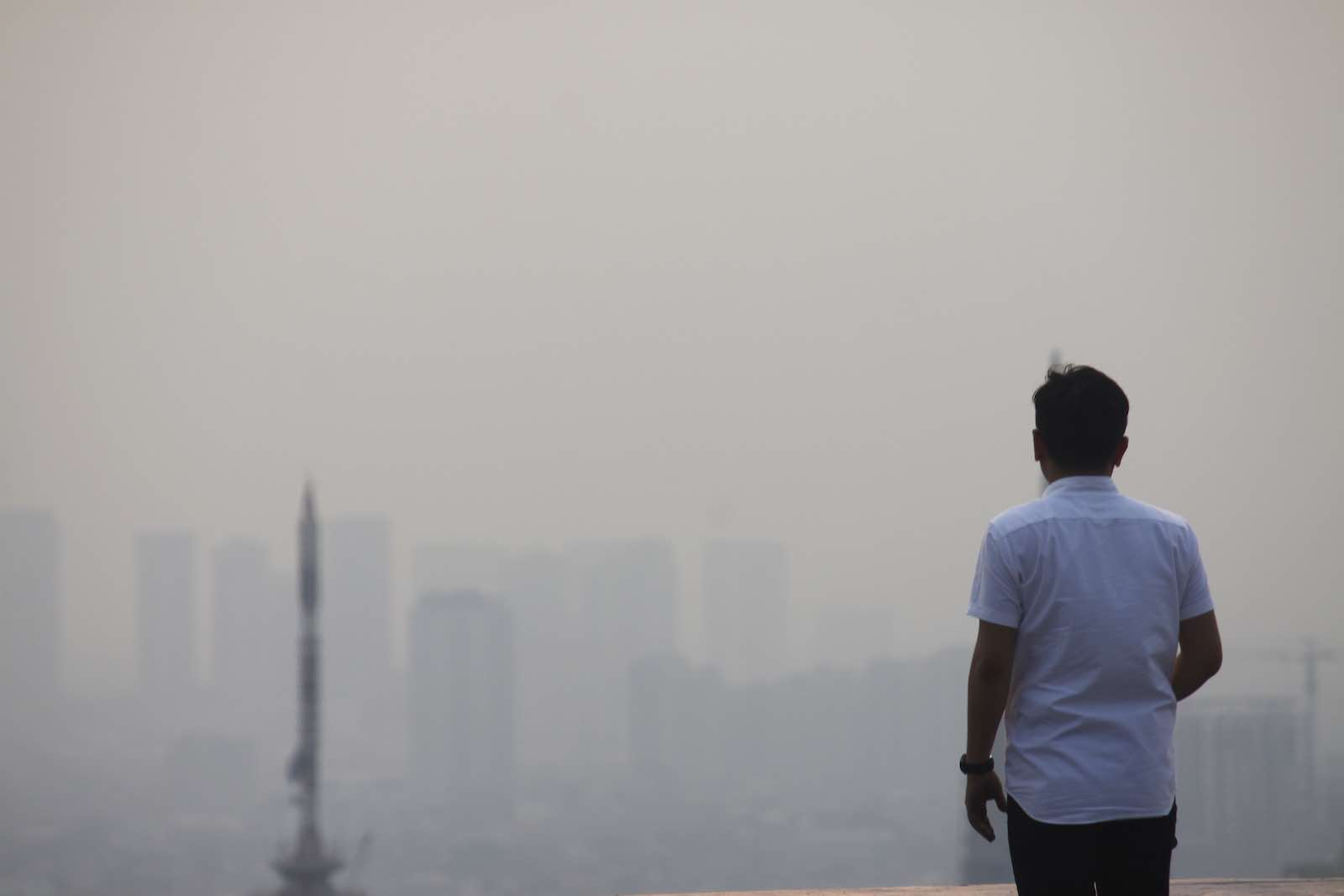 Jakarta, blanketed in smog (Photo: Aditya Irawan via Getty)