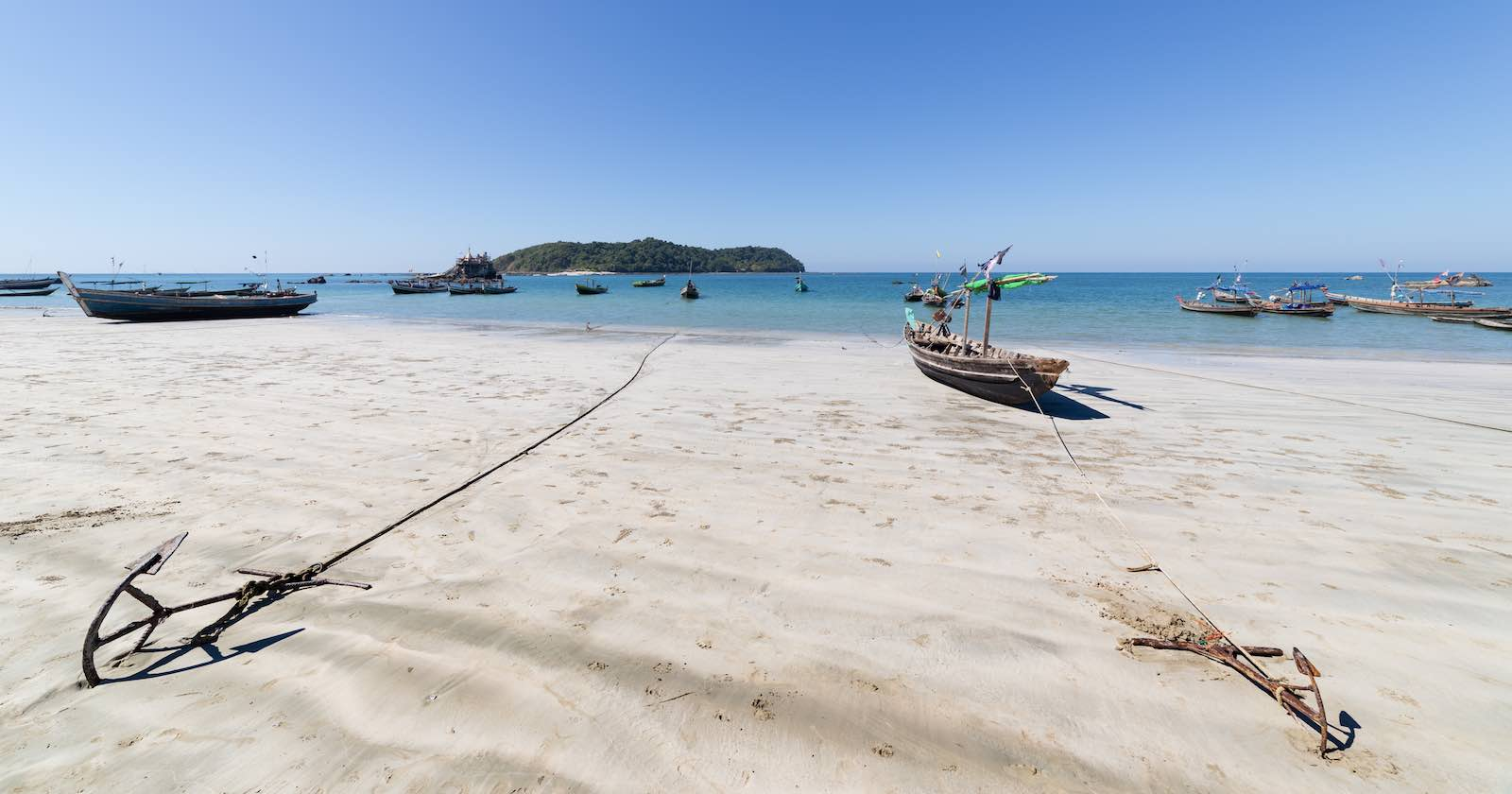 Myanmar's coastline stretches over more than 1900 km (Photo: nmessana via Getty Images)