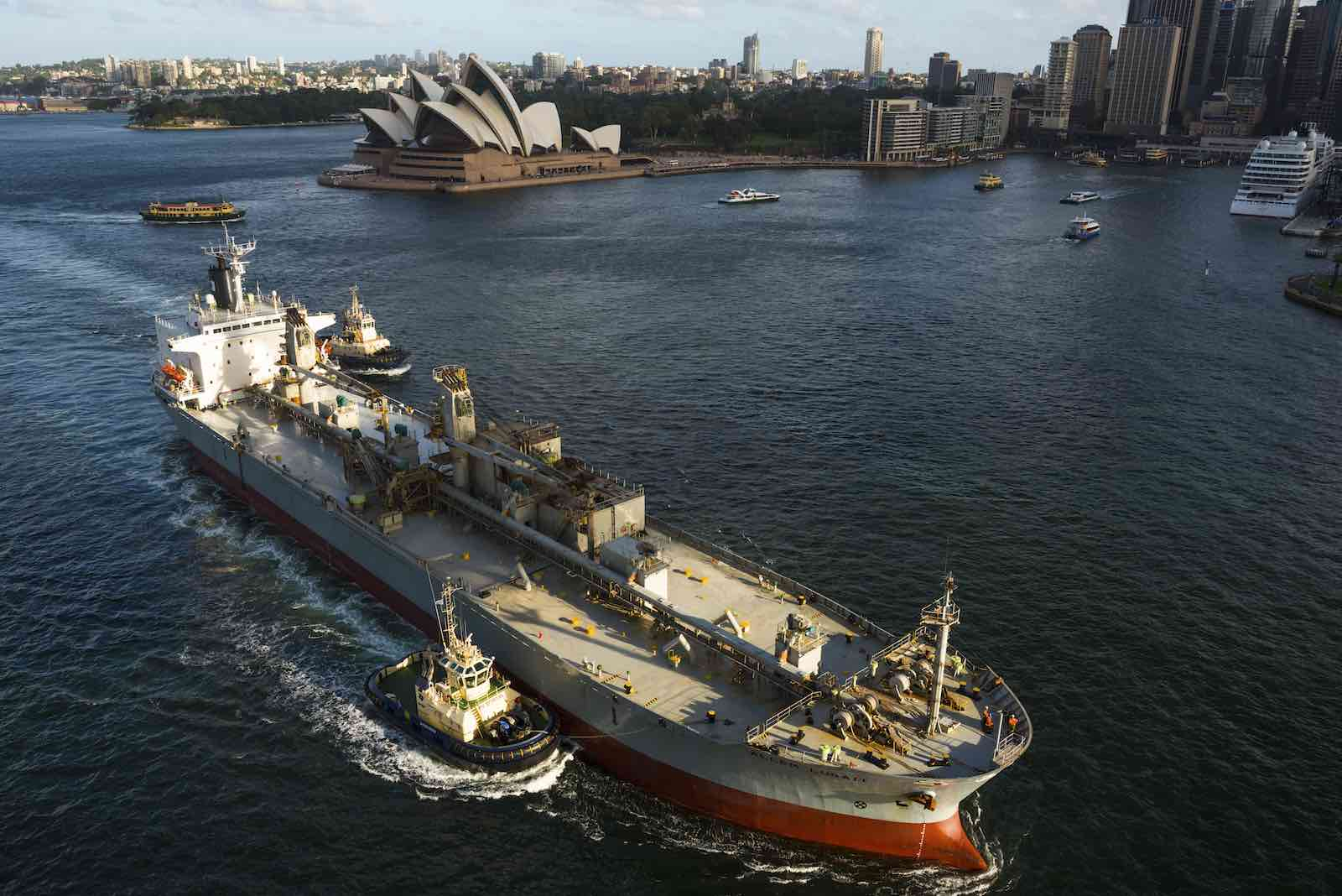An oil tanker in Sydney Harbour, 2017 (Universal Images Group/Getty Images)