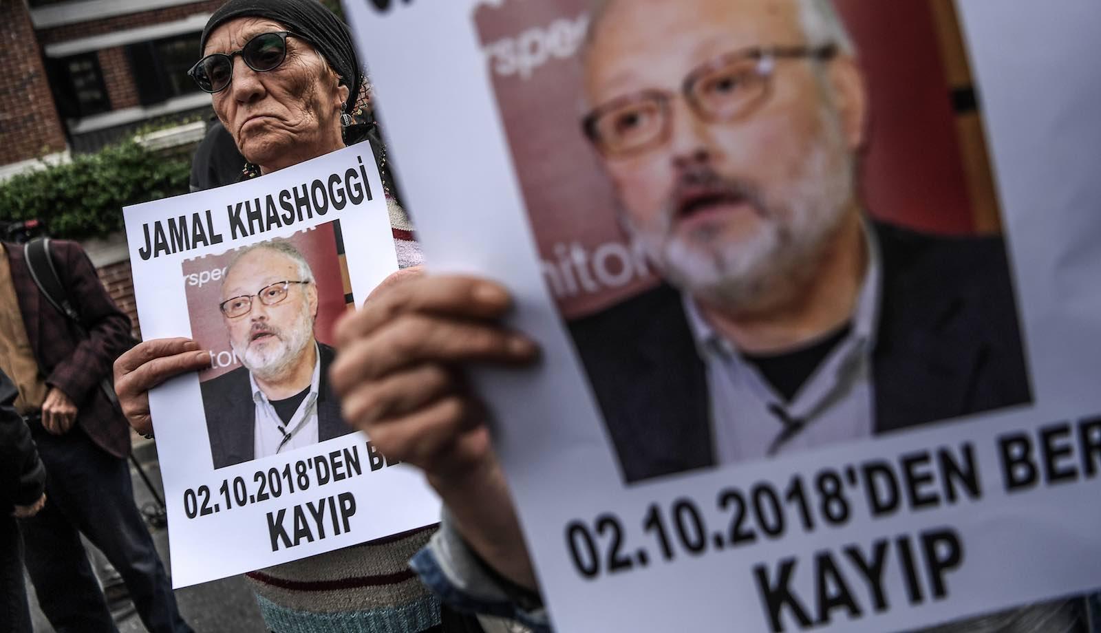 Demonstrators outside the Saudi consulate in Istanbul where journalist Jamal Khashoggi was last seen alive (Photo: Ozan Kose via Getty)