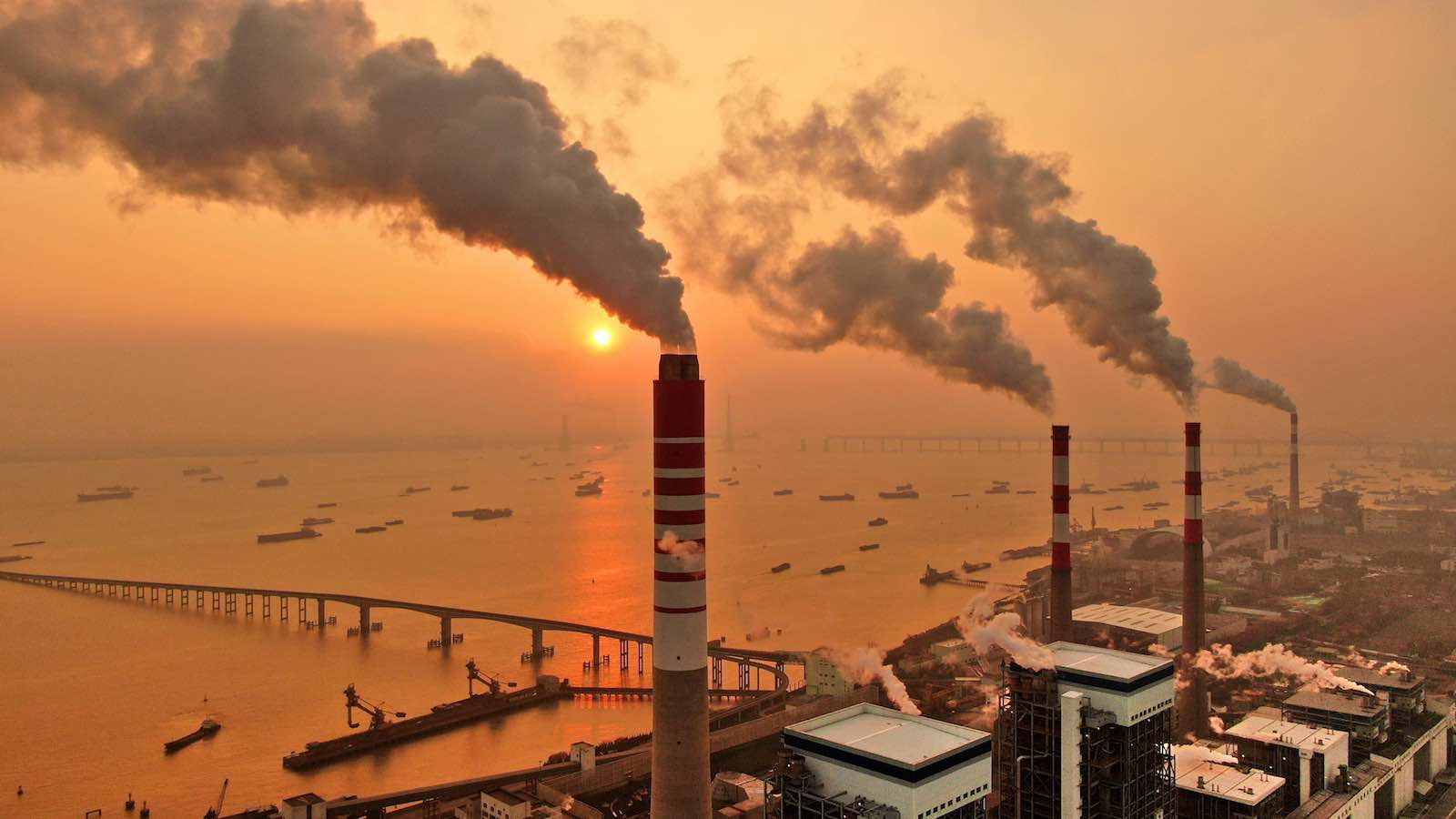 Nantong power station, a 3400-megawatt coal-fired power station in Jiangsu Province, China (Photo: Barcroft Media via Getty)