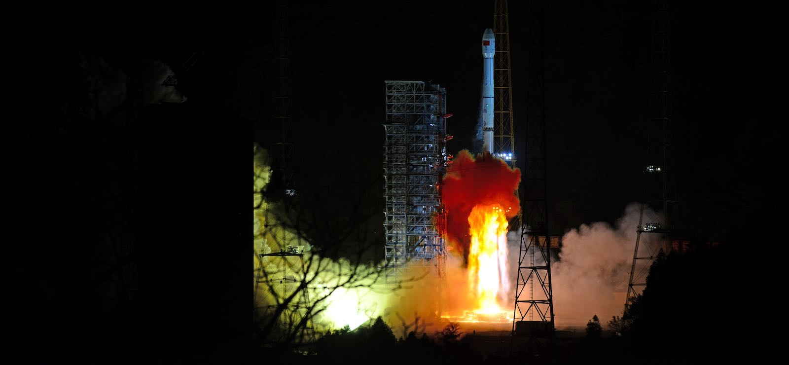 Long March-3B rocket carrying the Chang'e 4 lunar probe blasts off from the Xichang Satellite Launch Center on 8 December 2018 in Xichang, China (Photo: VCG via Getty)