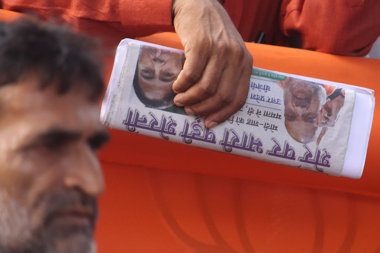 "There are more than 100,000 registered newspapers and magazines across India, only many now pick a ""side"" (Photo: Himanshu Bhatt via Getty)"