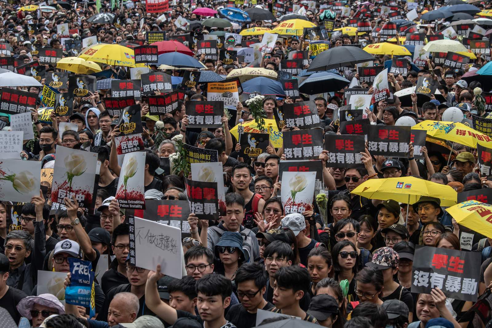 Protests continued on Sunday despite an announcement by Hong Kong's Chief Executive Carrie Lam the controversial extradition bill will be suspended indefinitely (Photo: Carl Court/Getty)