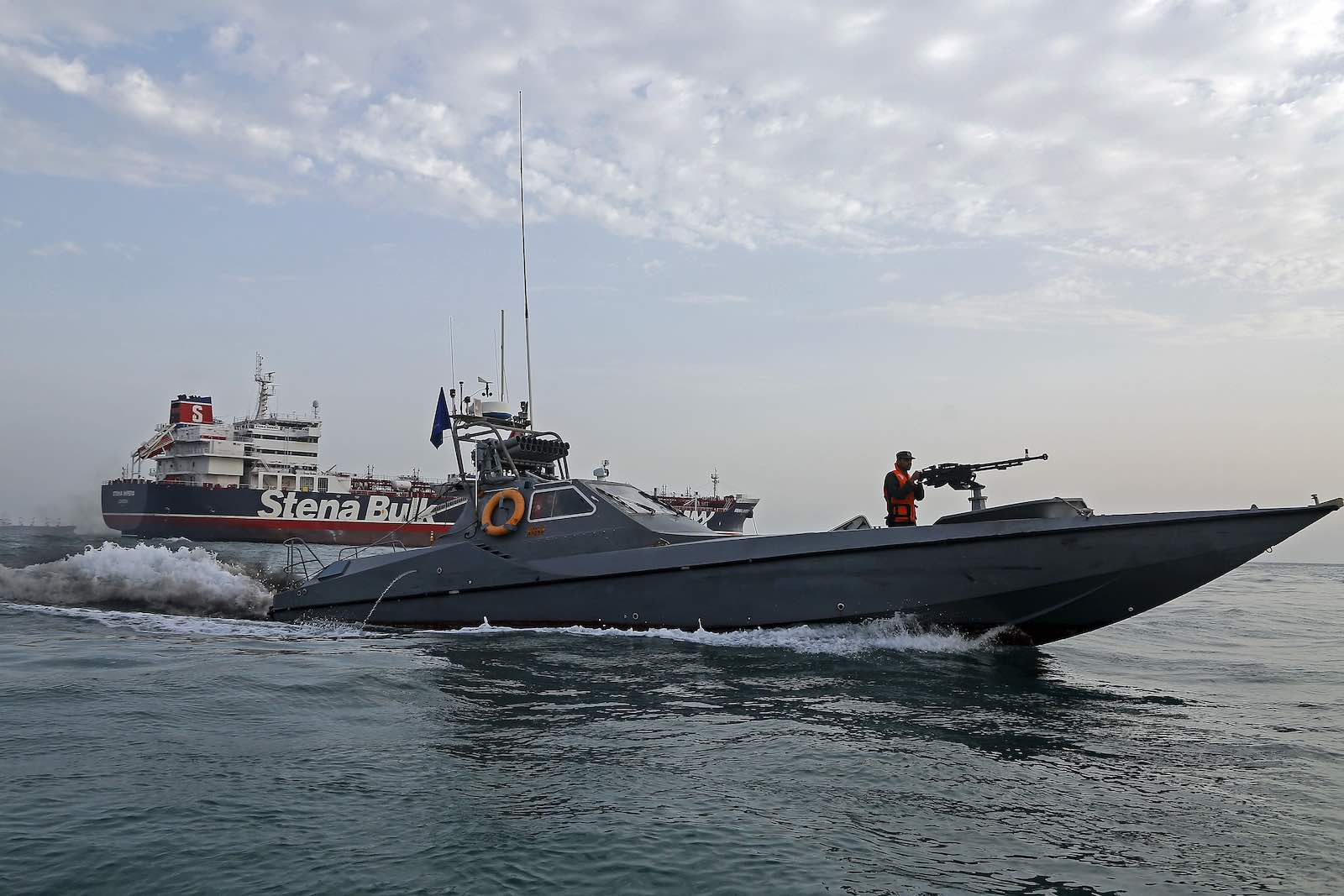 Iranian Revolutionary Guards patrol around the British-flagged tanker Stena Impero anchored off the Iranian port city of Bandar Abbas (Photo: Hasan Shirvani via Getty)