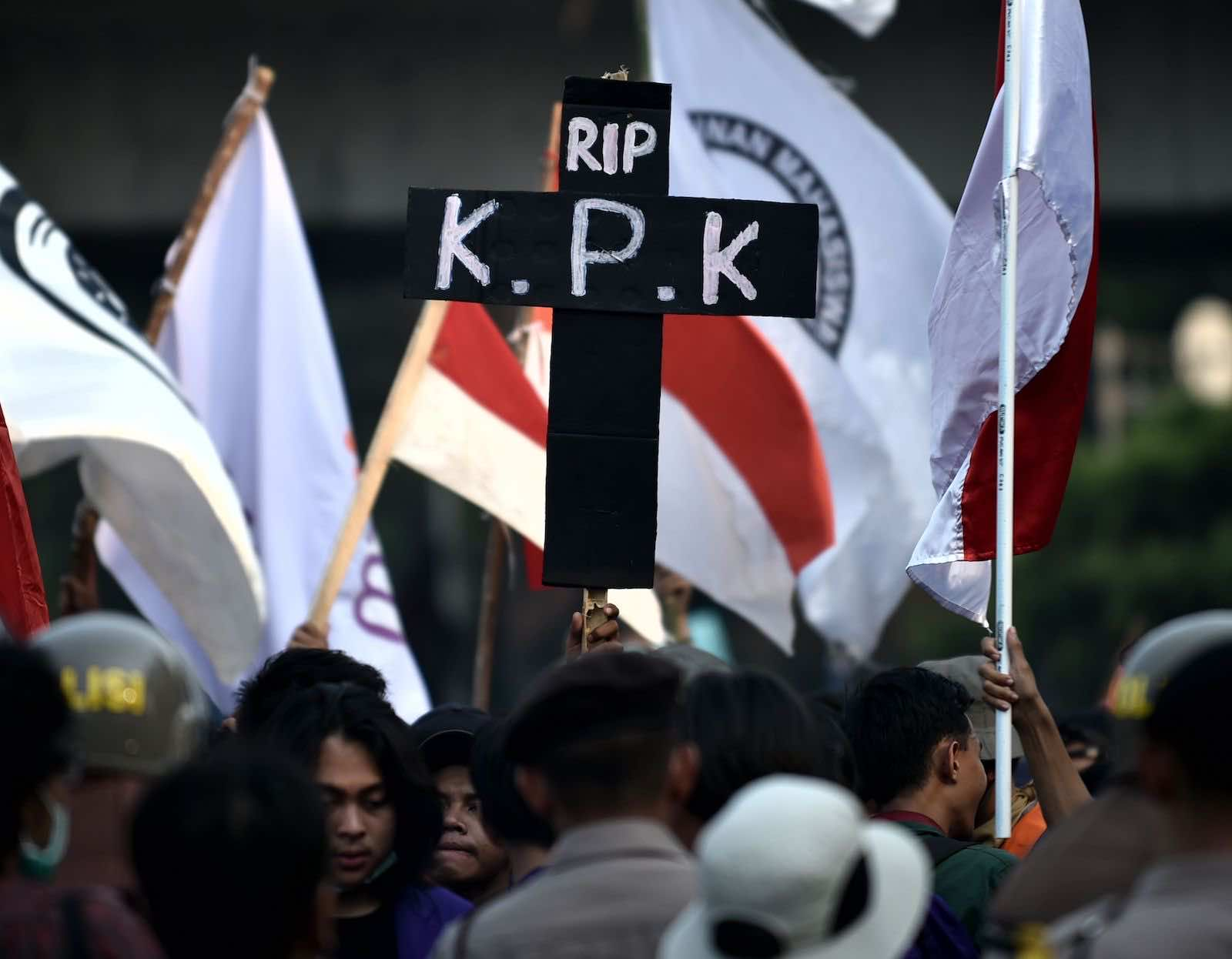 """Demonstrations against proposed legislative changes in 2019 to anti-corruption laws: the latest concern focuses on a so-called """"civics"""" test for staff at the Corruption Eradication Commission, or KPK (Bay Ismoyo/AFP via Getty Images)"""