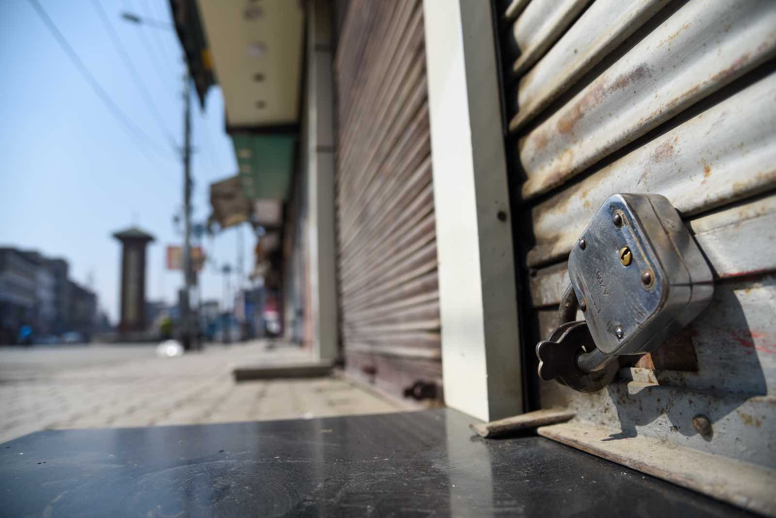 Closed shops in Srinagar during the lockdown (Photo: Idrees Abbas via Getty Images)